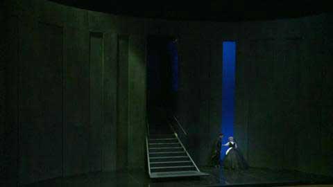 subtil-huis-clos-passionnel-dans-le-chateau-de-barbe-bleue.jpg