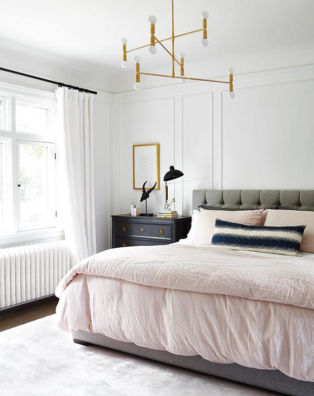 best-2017-bedrooms-gallery-PivotDesignGroup-286_HH_AP17.jpg