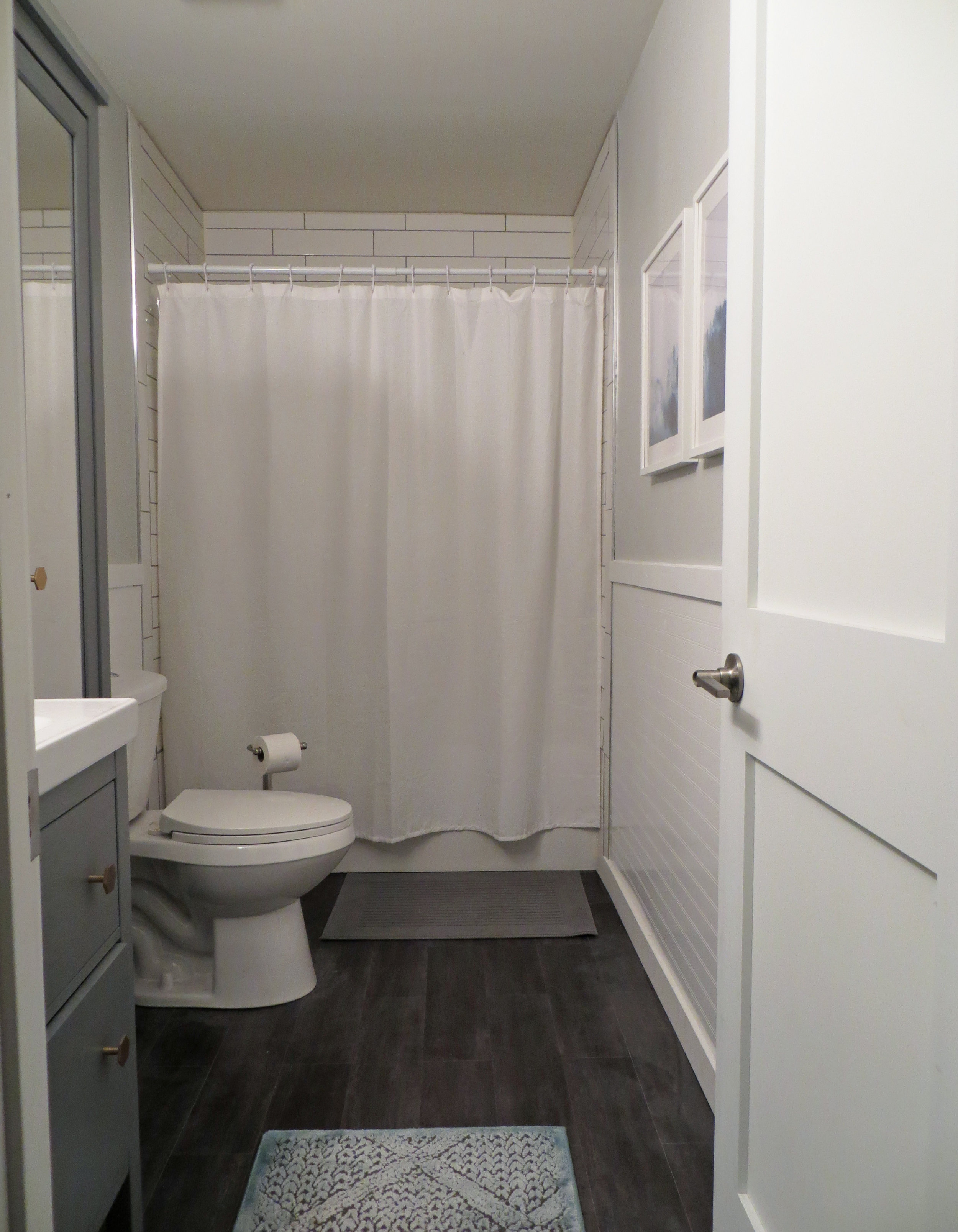 bathroom2018-2.jpg