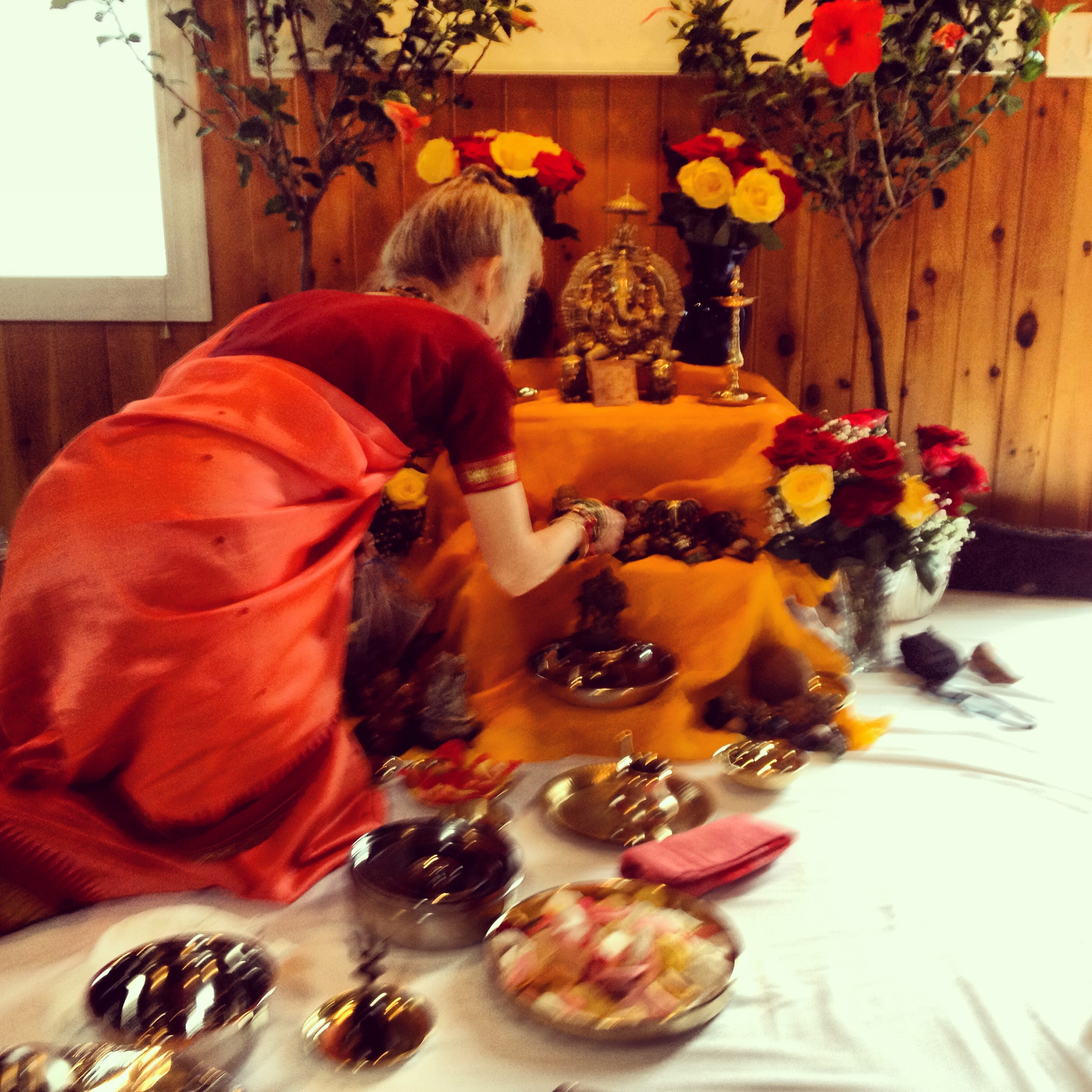 Ganesha Puja with Dr. Lad, photo by Maré Hieronimus
