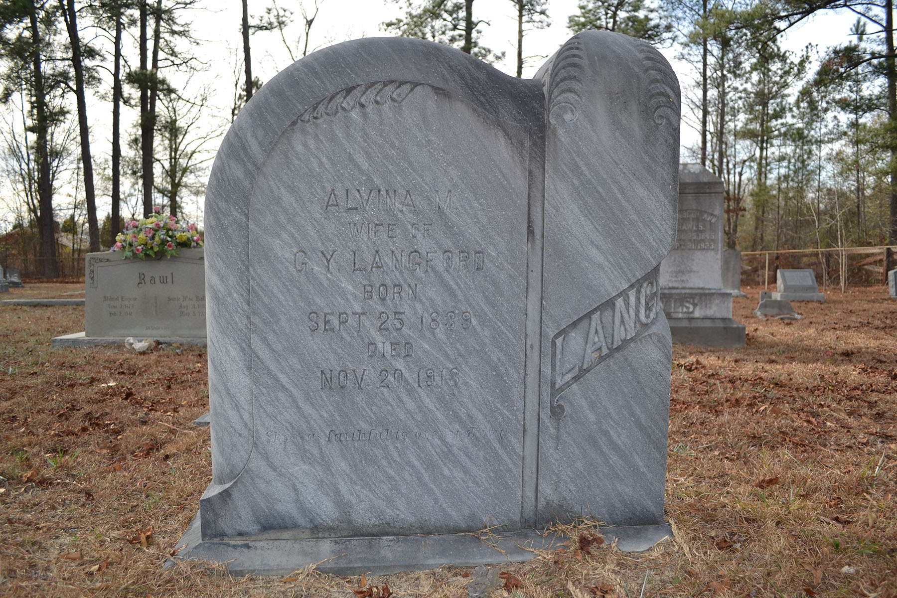St Marks Original Cemetery 003.jpg
