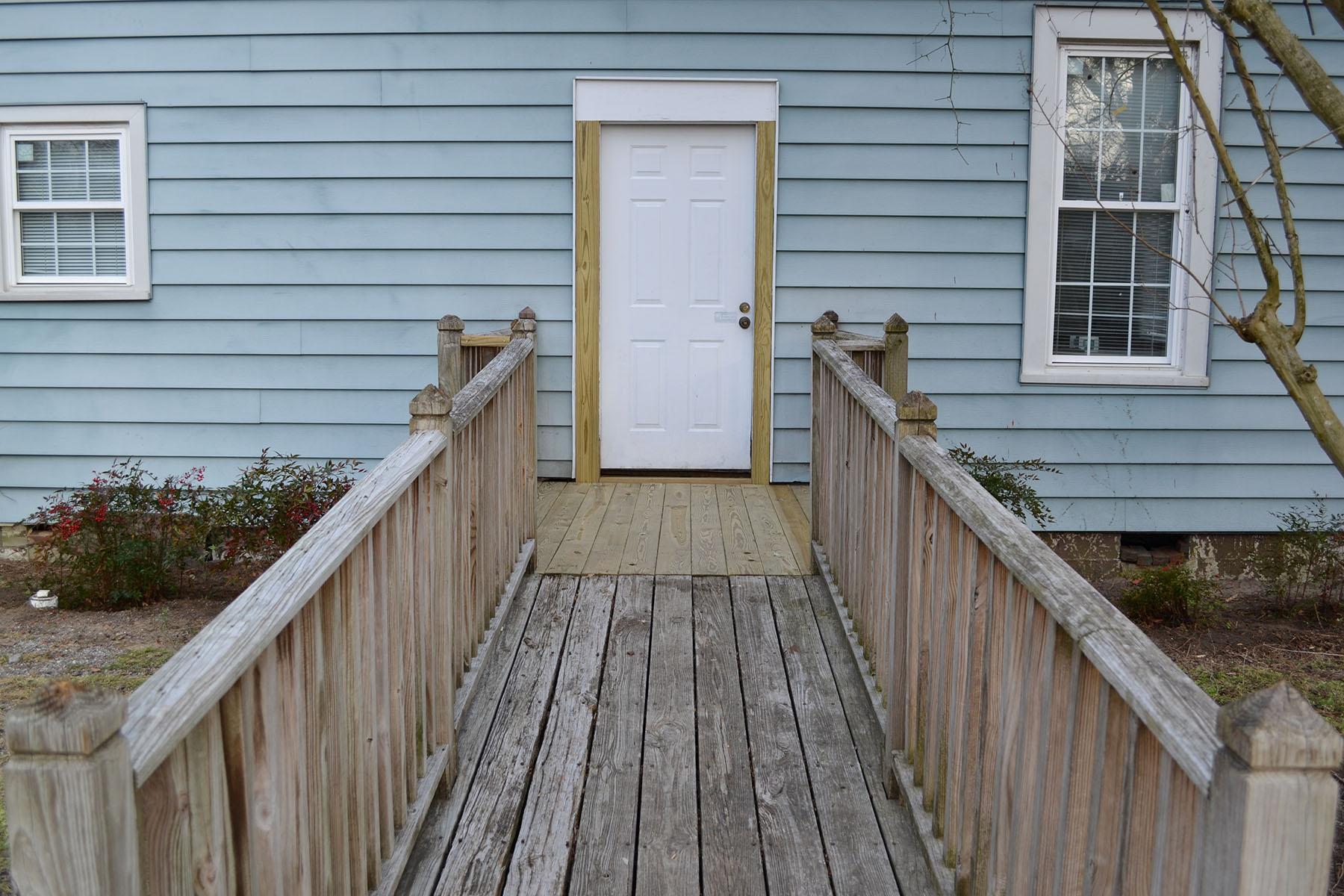 Door and ramp 0033.jpg