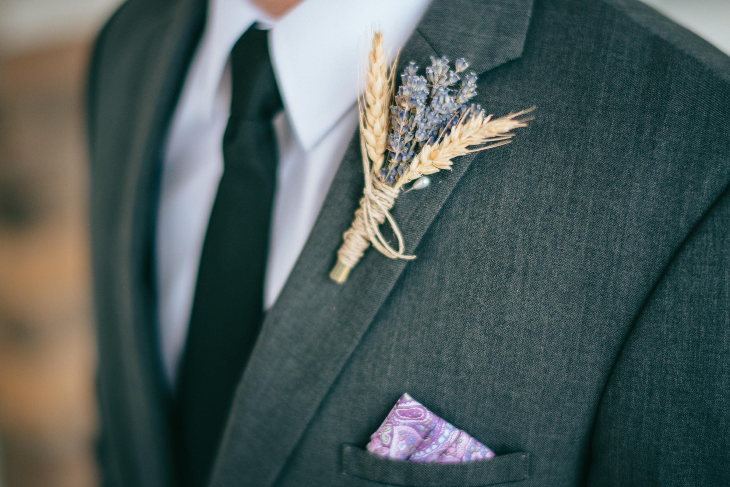 grooms detail shot