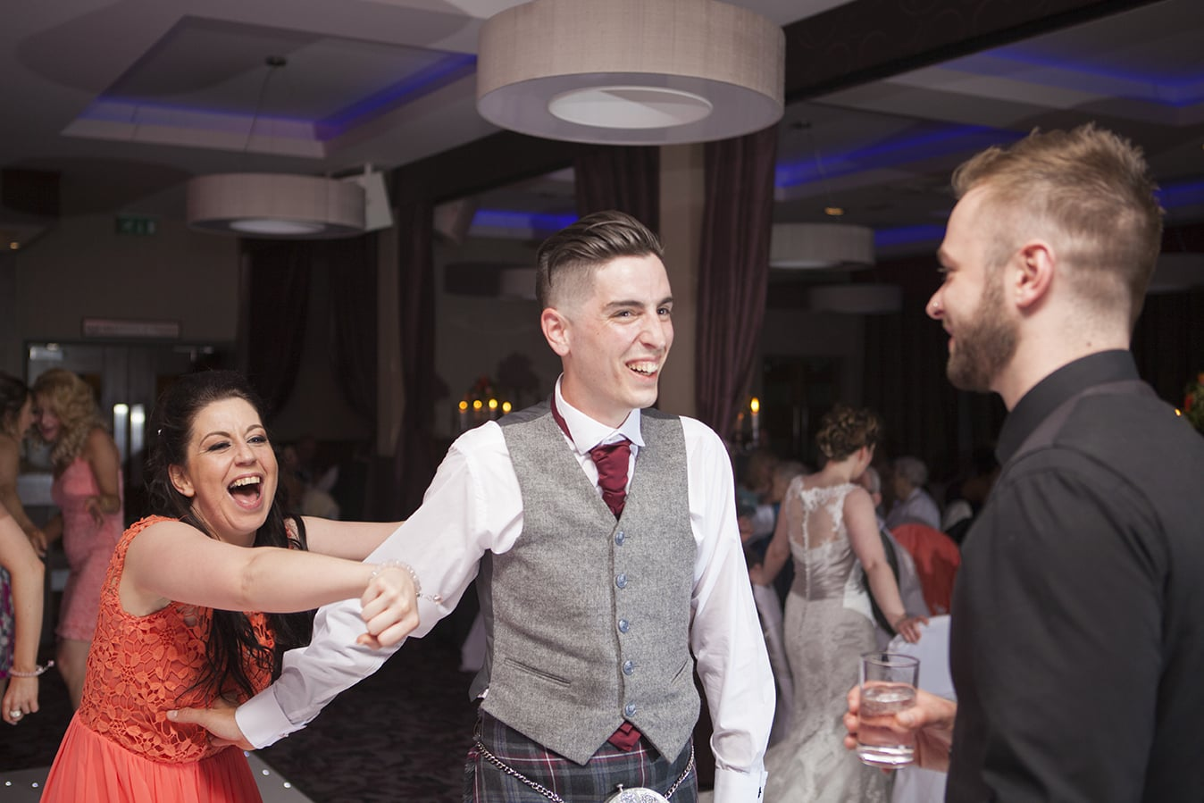 relaxed_wedding_photography_scotland (70).jpg