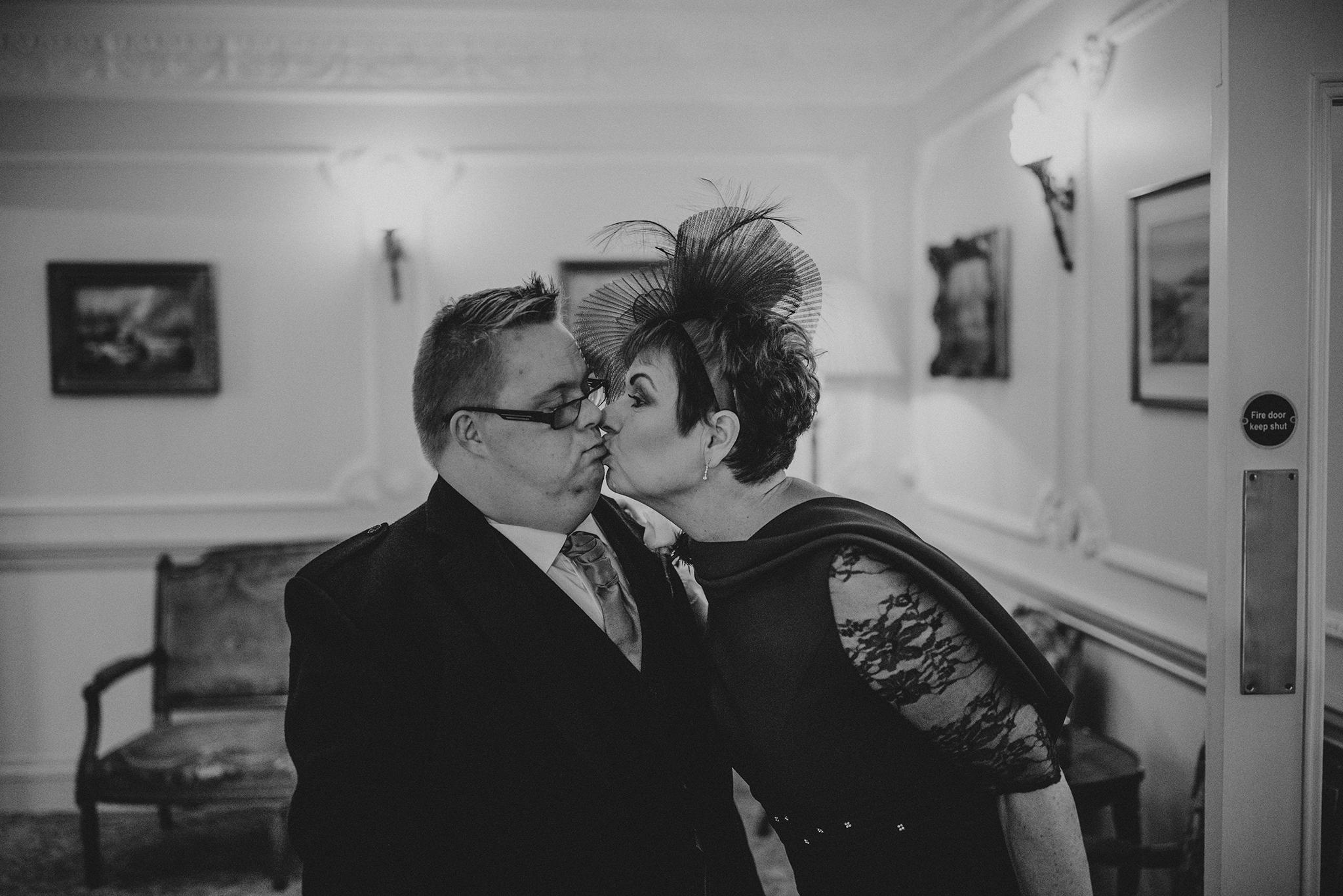 Crossbasket Castle Wedding Photographer (52).jpg