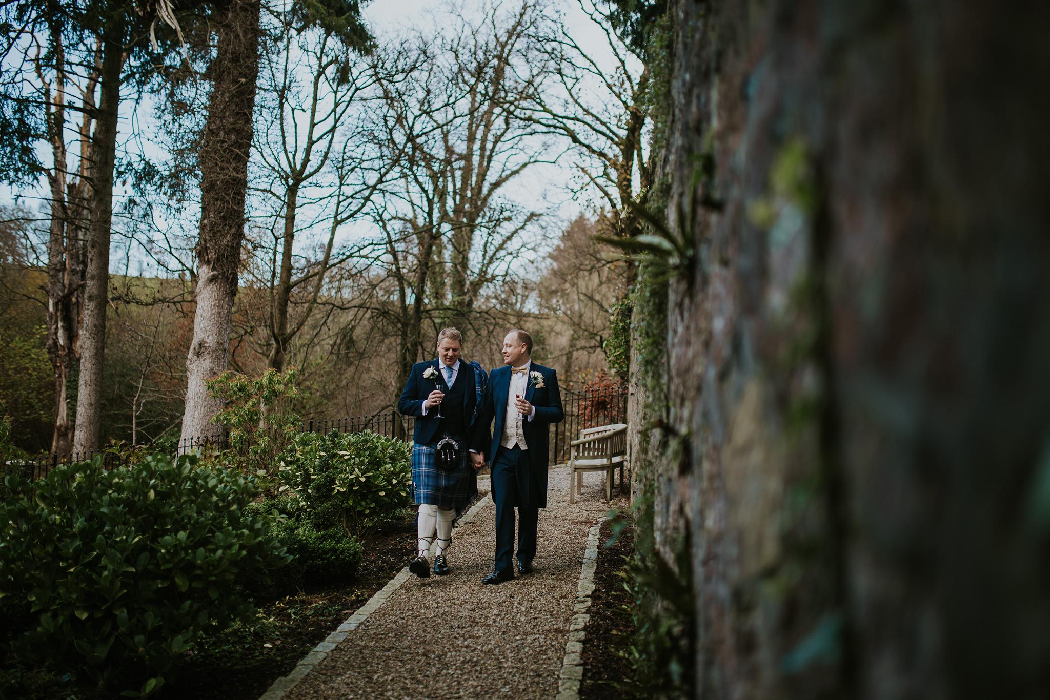 Crossbasket Castle Wedding Photographer (93).jpg