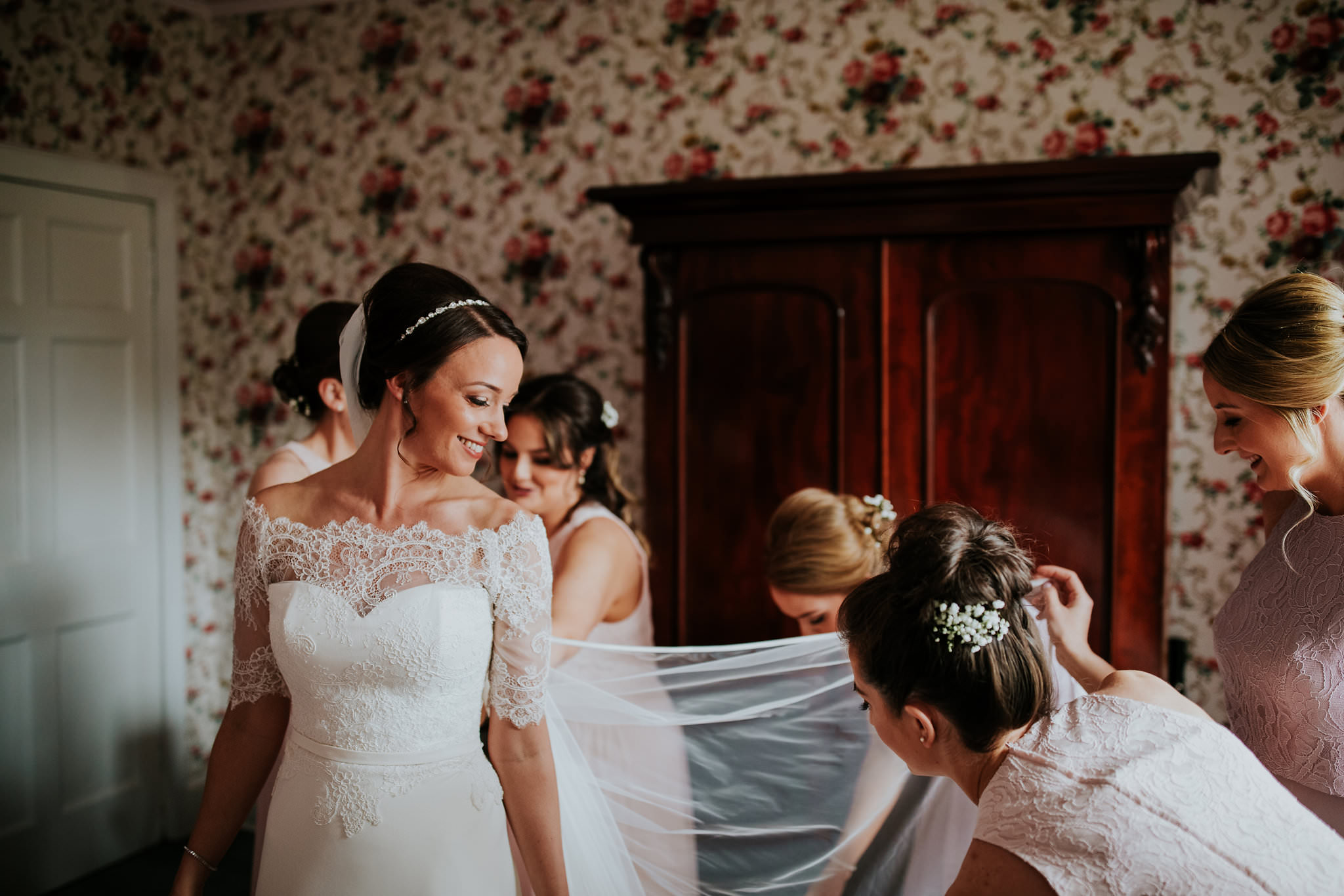 kirknewton stables wedding photographer (15).jpg
