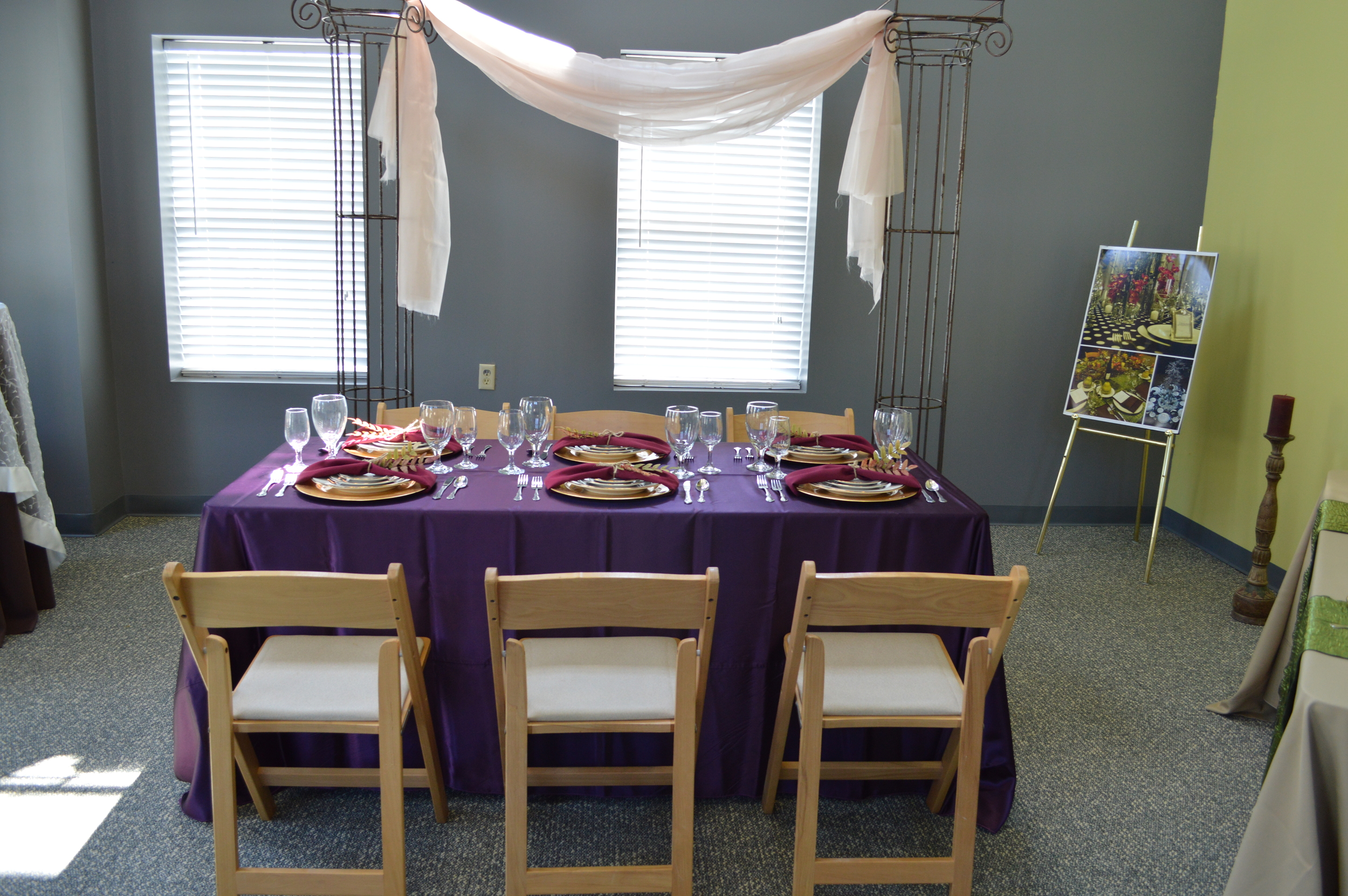 Displayed Greek Column Arch, Natural wood Resin Chairs, 6 ft Table