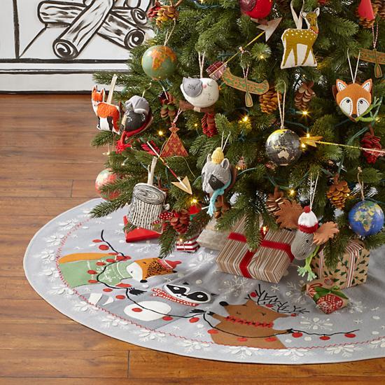 jolly-ol-tree-skirt by dinara mirtalipova.jpg