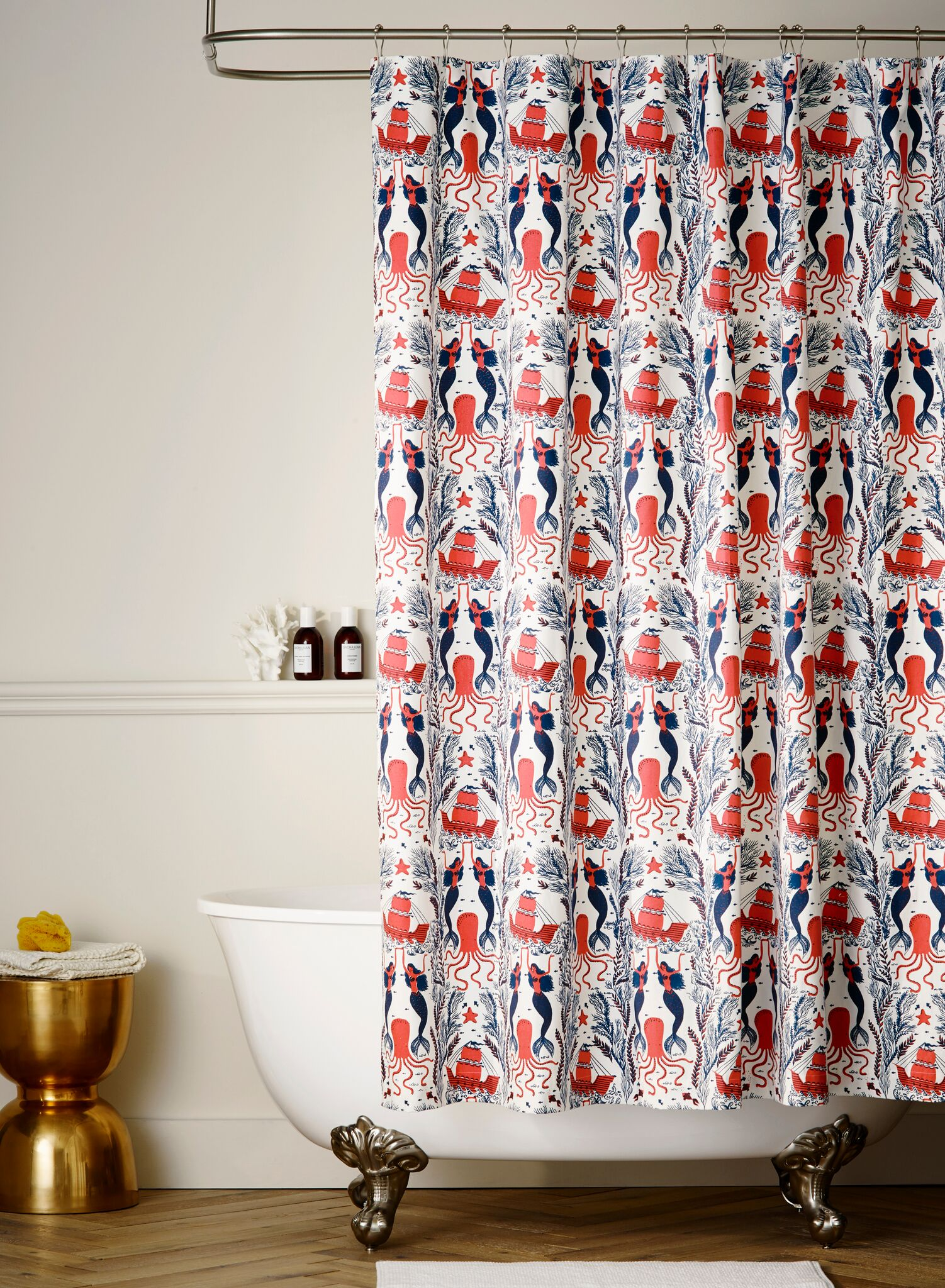 HW_MD002_ShowerCurtain_Mermaids_Coral.jpg