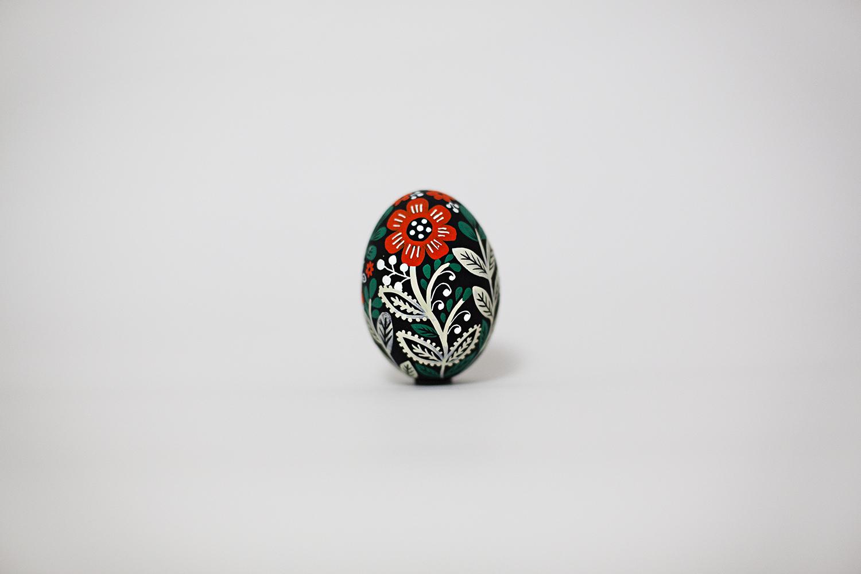 Egg1-Side1-by dinara mirtalipova.jpg