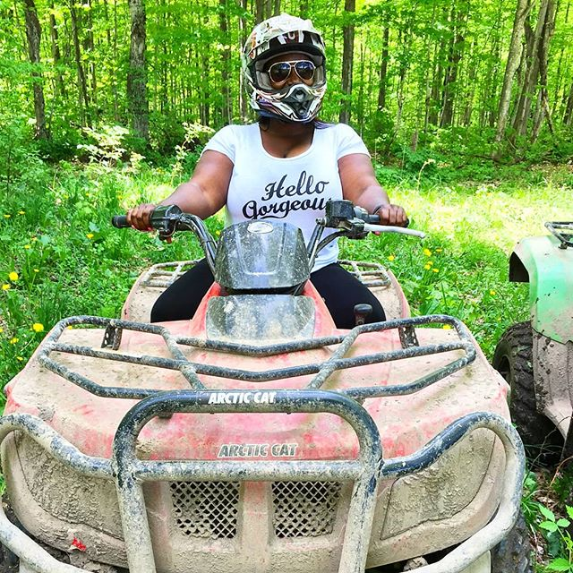 🎁 CONTEST ALERT 🎁Some #throwbackthursday action for you guys on this first day of winter❤️. This is me, channelling my inner bad ass on an ATV offroading in the forests of Grey County.  Since this picture was taken, I've gotten to know and fall in love with the region. As 2017 draws to a close, I want to give you the chance to get to know it as well as I have. Head to Chew Street to win a stay for 2 at a local B&B, a winery tour and tasting, waterfall your, and a foodie gift basket filled  with treats from Grey County. I'll announce the winner on New Year's Eve, so you can start 2018 in the @visitgrey spirit! #visitgrey #foodiegiftguide #contest