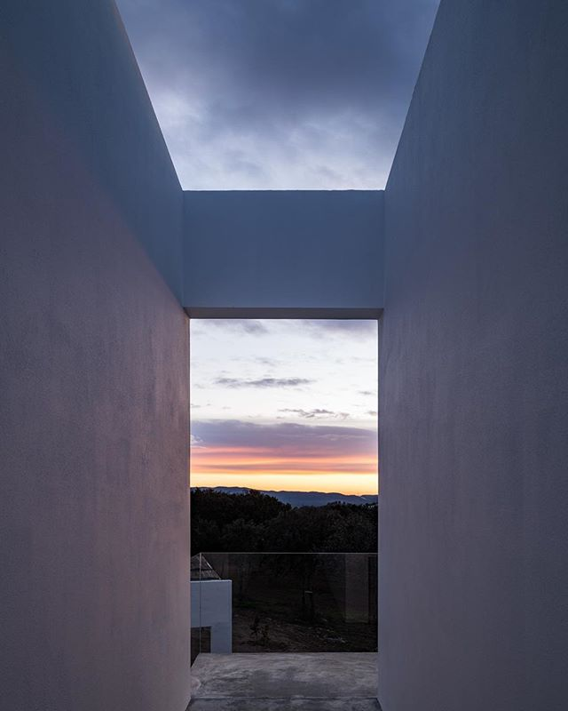 The Calm. A quiet evening in Portugal 🇵🇹. #architecture #estremoz #portugal #lisboa
