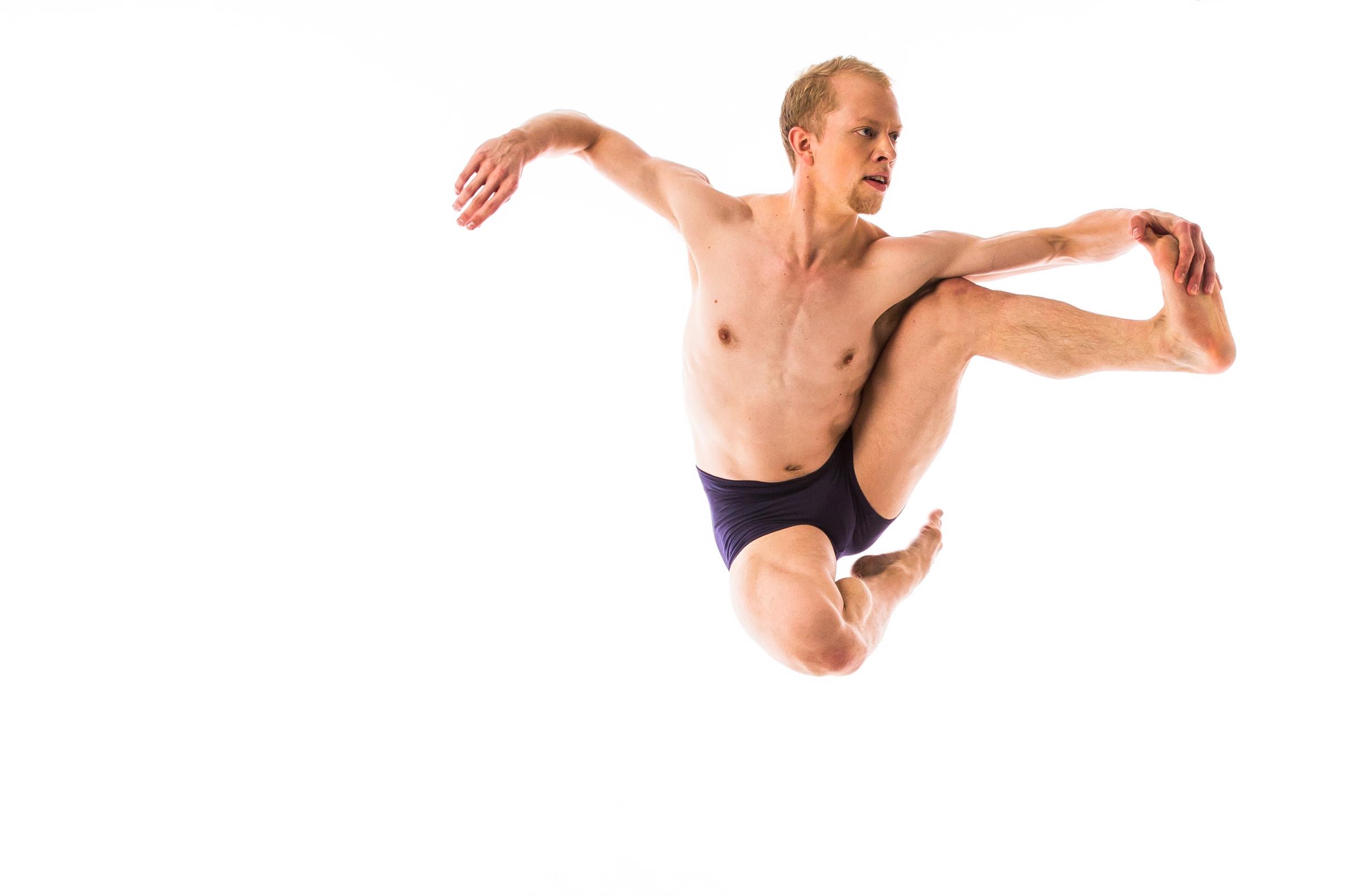 EM DANCE SESSION0335_v003.jpg