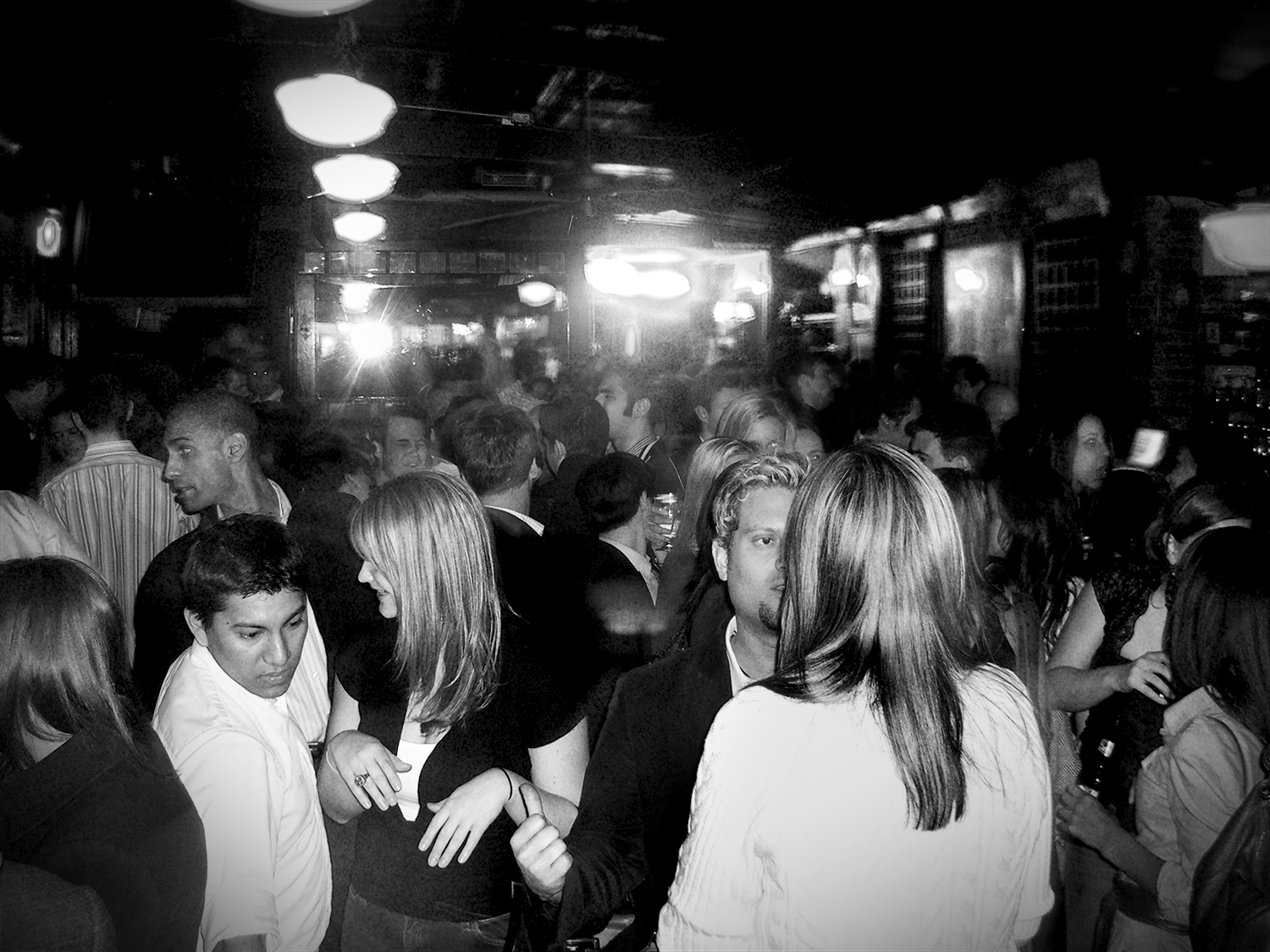 drh_nyc-crowd-old-bw.jpg