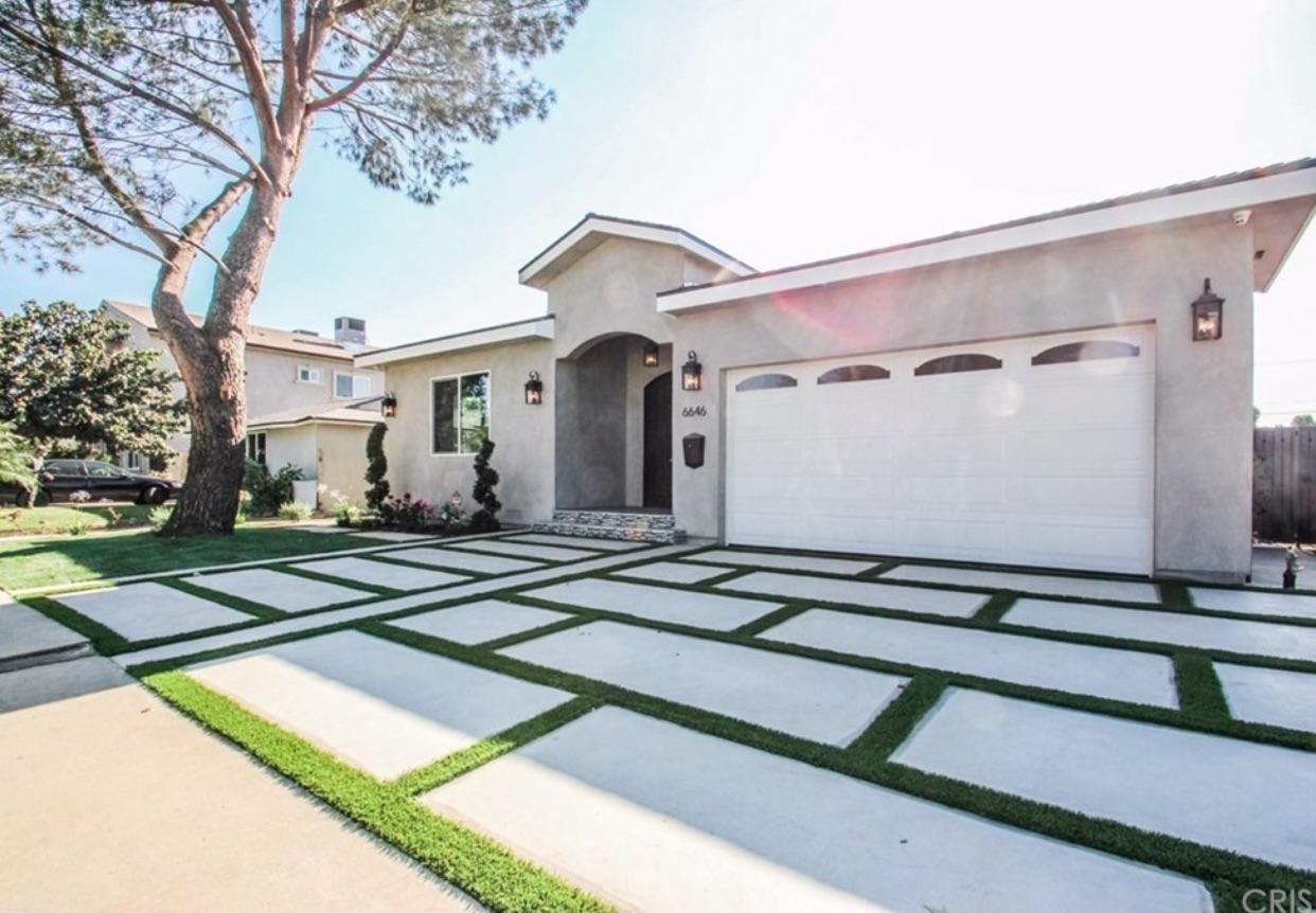 6646 Ranchito Valley Glen  91405 - $1,089,000