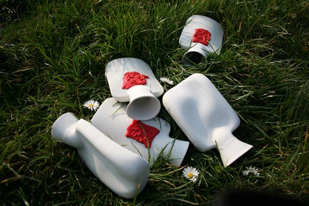 Jeneverkruikje, ongeglazuurd porselein / Ginbottle, unglazed porcelain