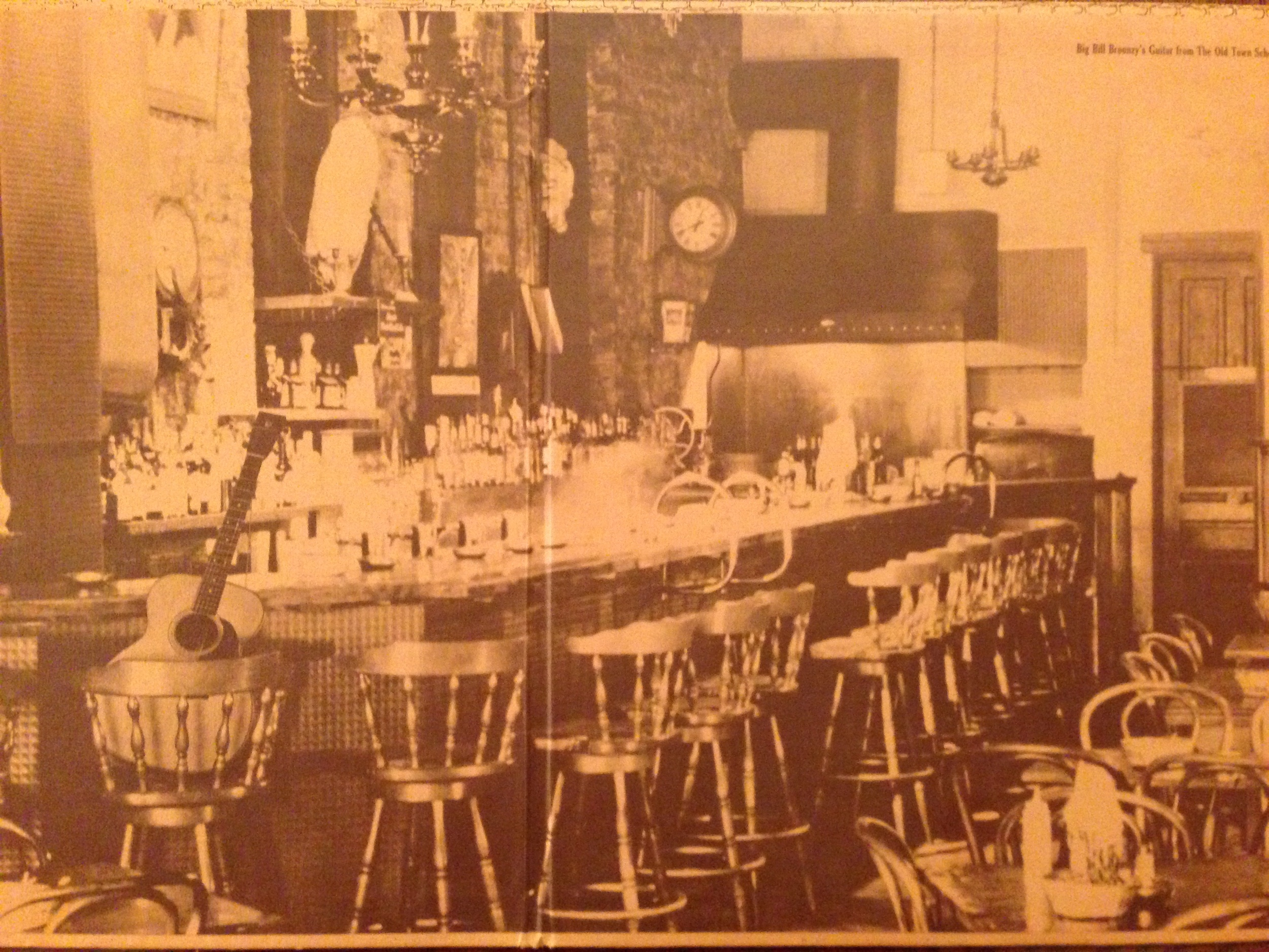 """A look at The Earl of Old Town circa 1970, as shown in the liner notes of """"The Gathering at the Earl of Old Town""""."""