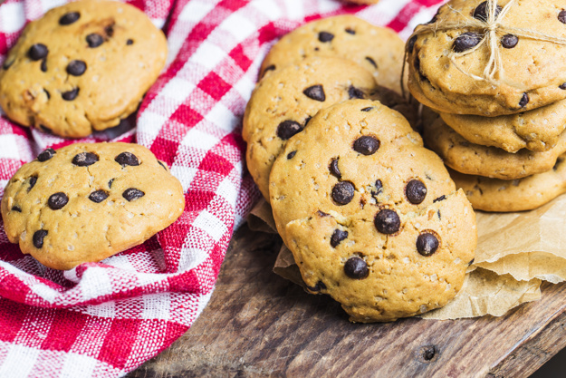 chocolate-chip-cookie-red2.jpg