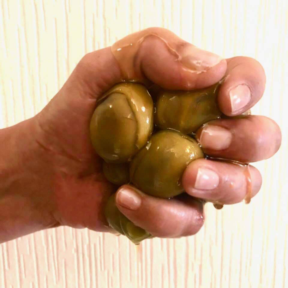 diy-extra-virgin-olive-oil-nail-treatment.jpg