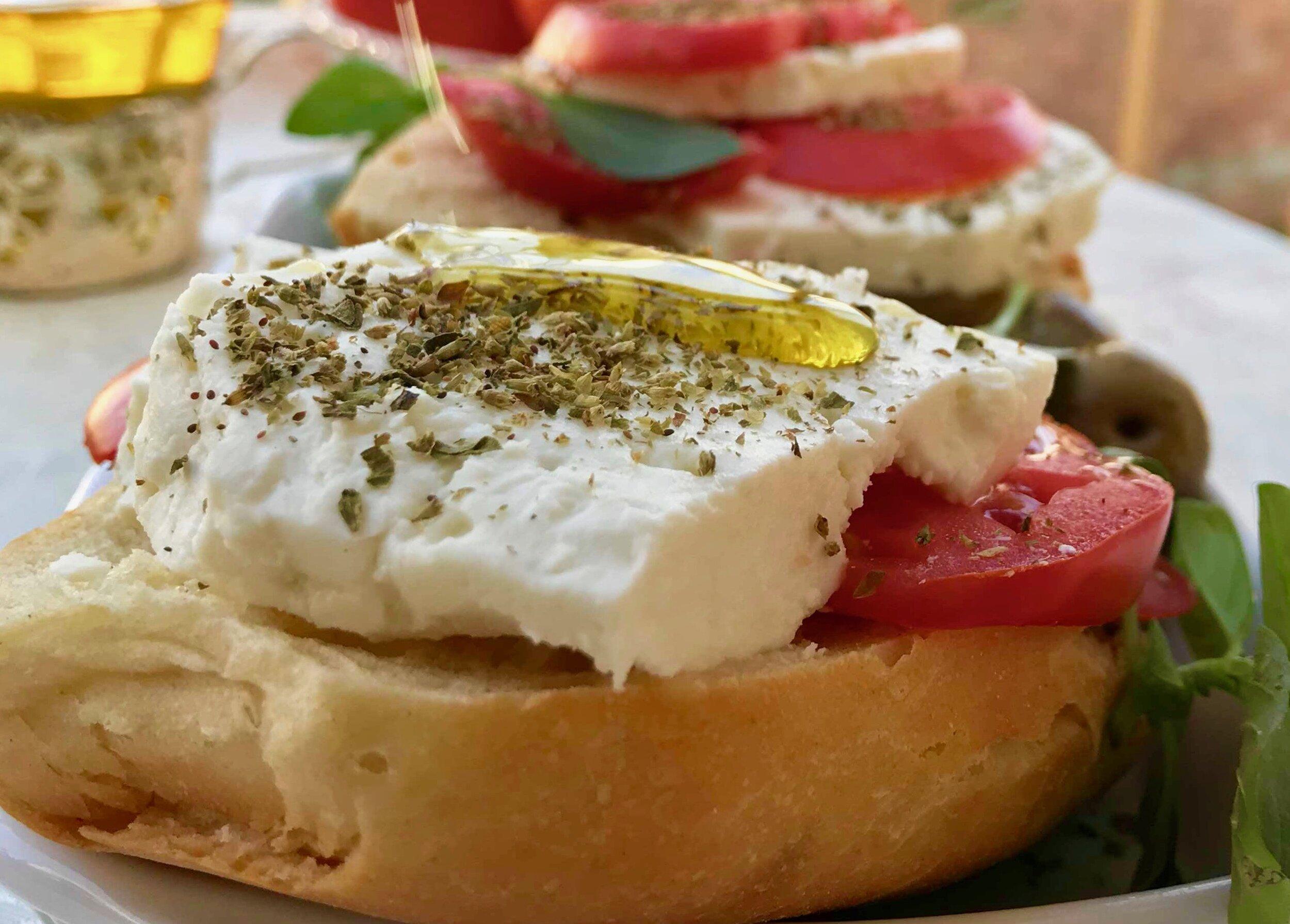 9-reasons-to-eat-greek-extra-virgin-olive-oil.jpg