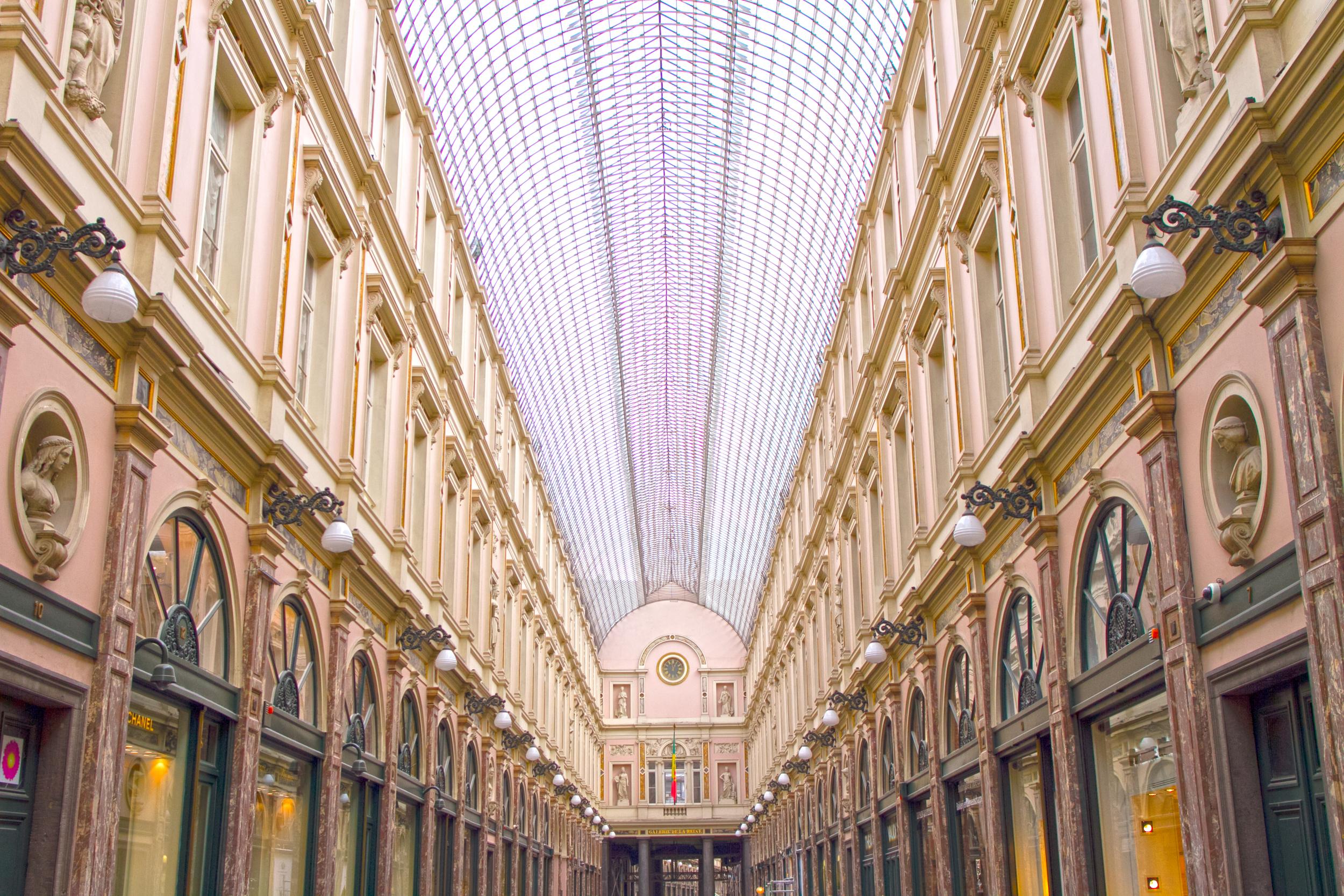 Walkway in Brussels.jpg