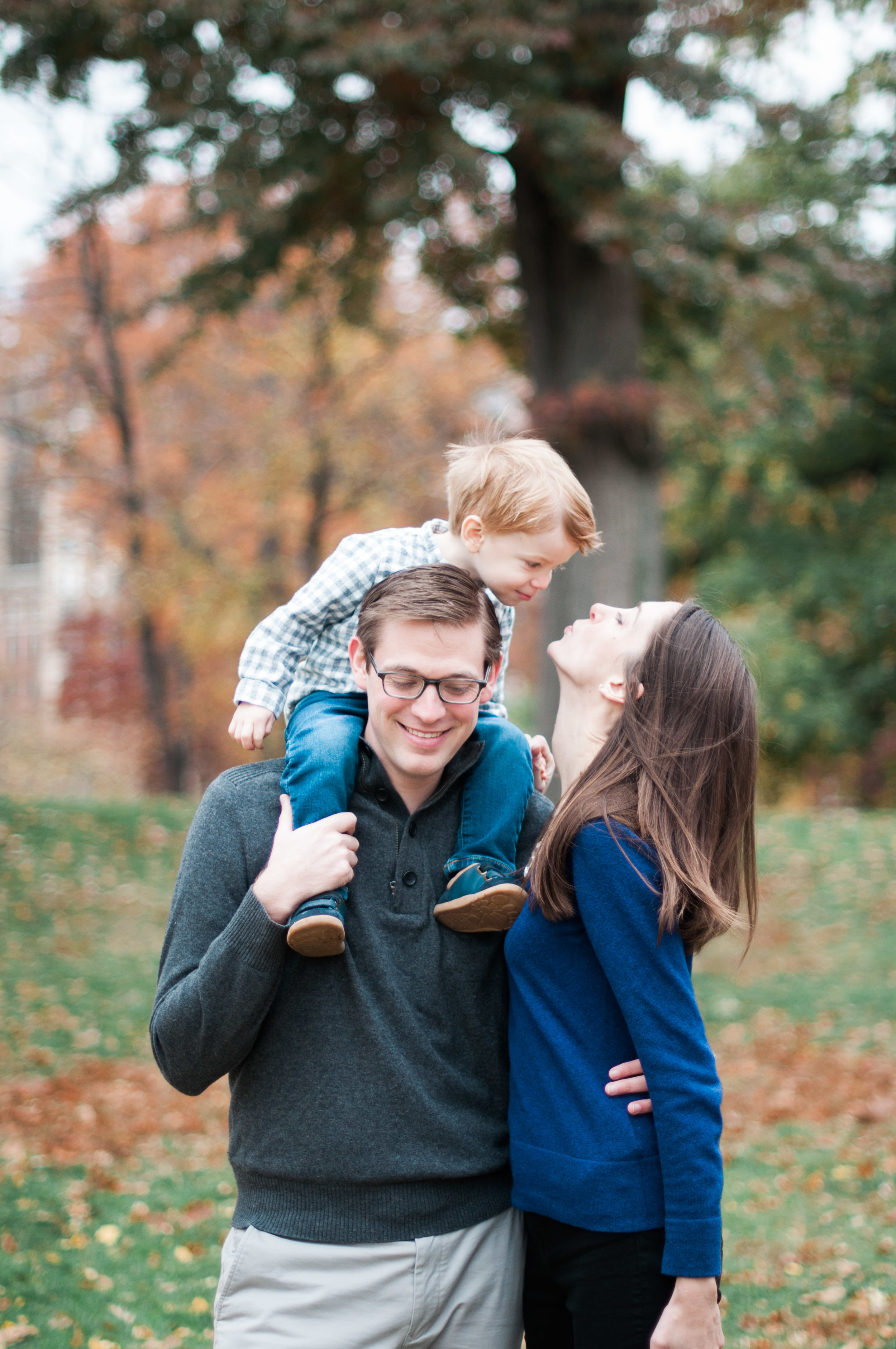 cate.austin.justin.familyphotos.fall.nyc.centralpark.nycphotography