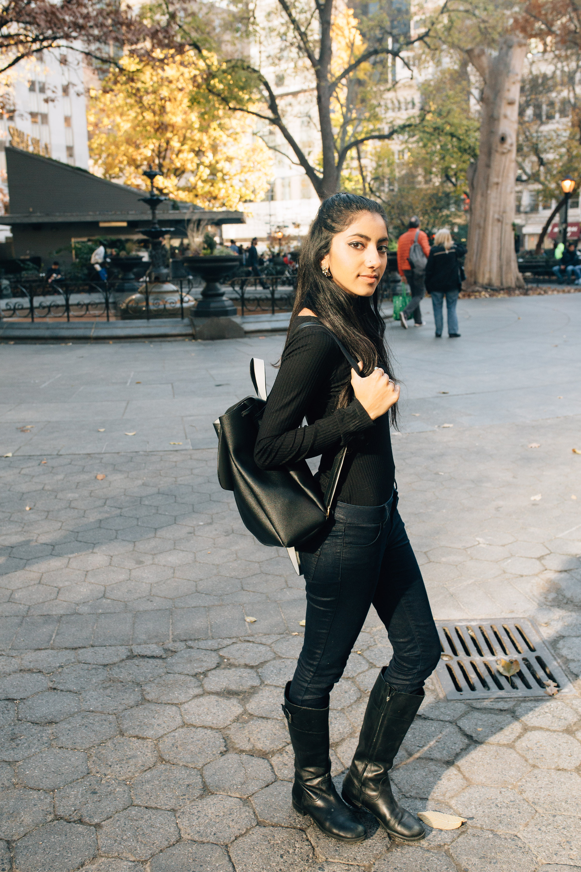 nyc.madisonsquarepark.furcoat.faux.muave.bodysuit.fashionblogger.nyc.