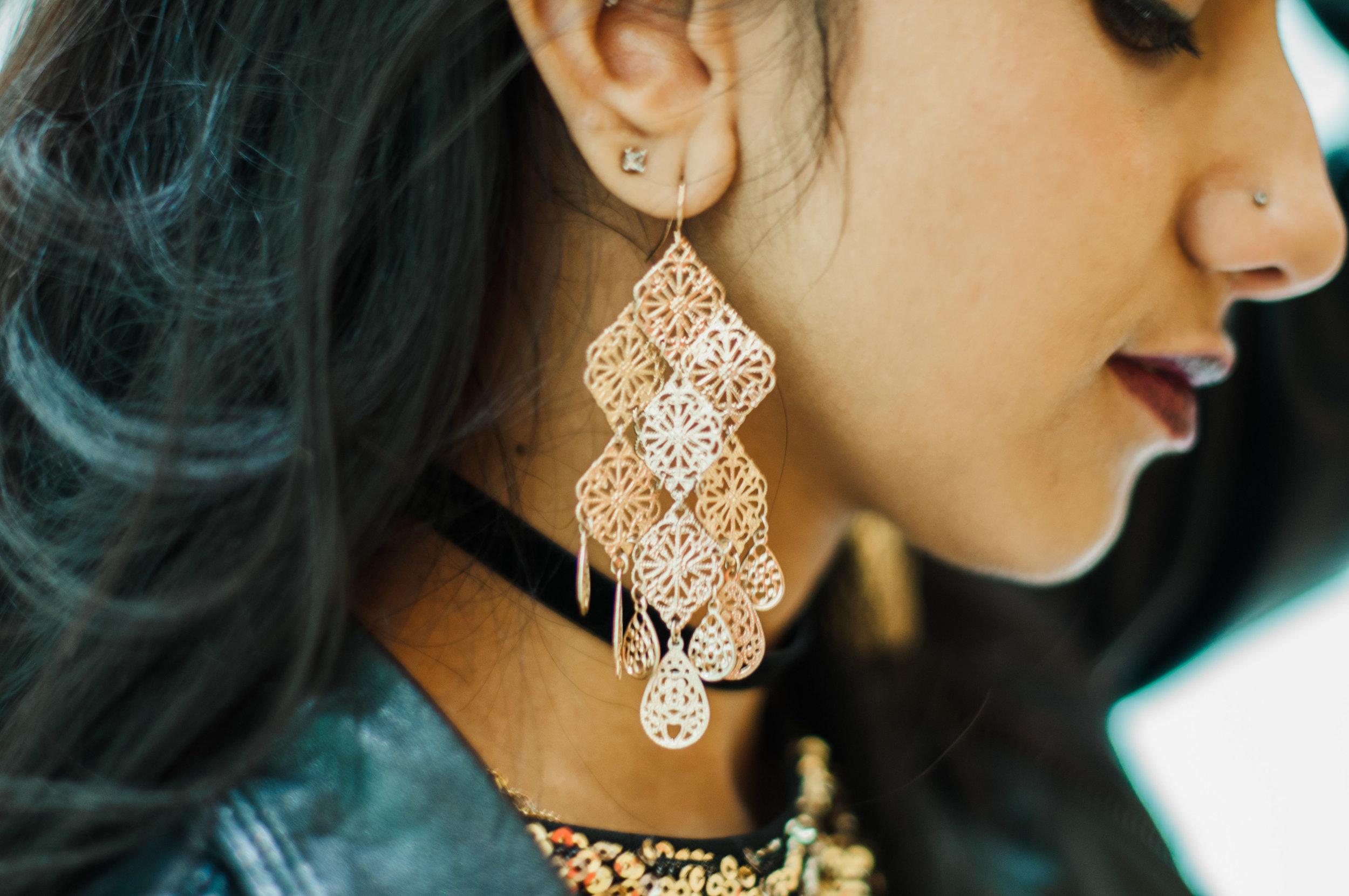 zafiahmed.renaissancezafi.fashionblogger.gold.sequins.nyc.oculus.white
