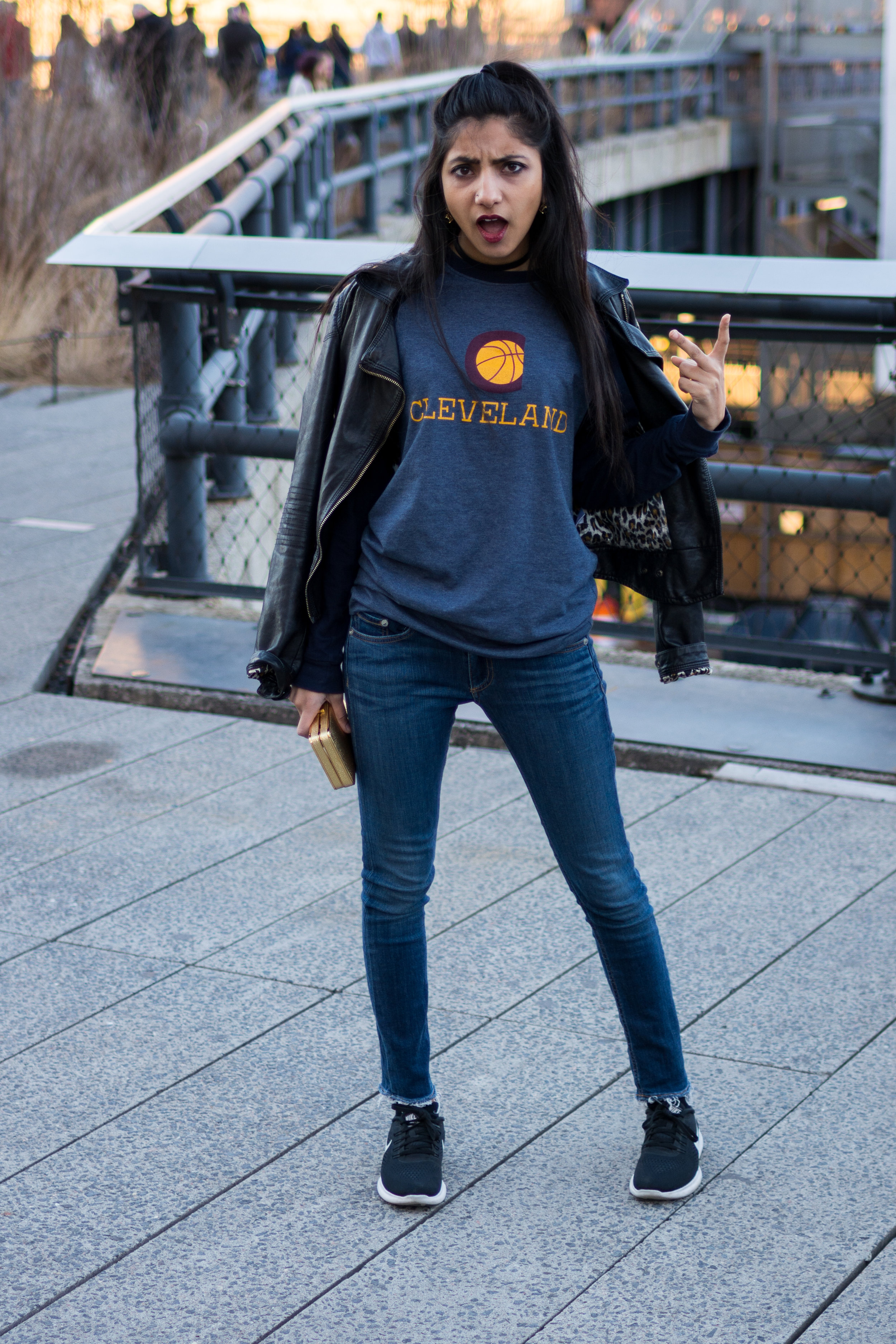 fashionblogger.nyc.ohio.ohioblogger.cleveland.cavs.clevelandcavaliers.fan.fashion..outfit