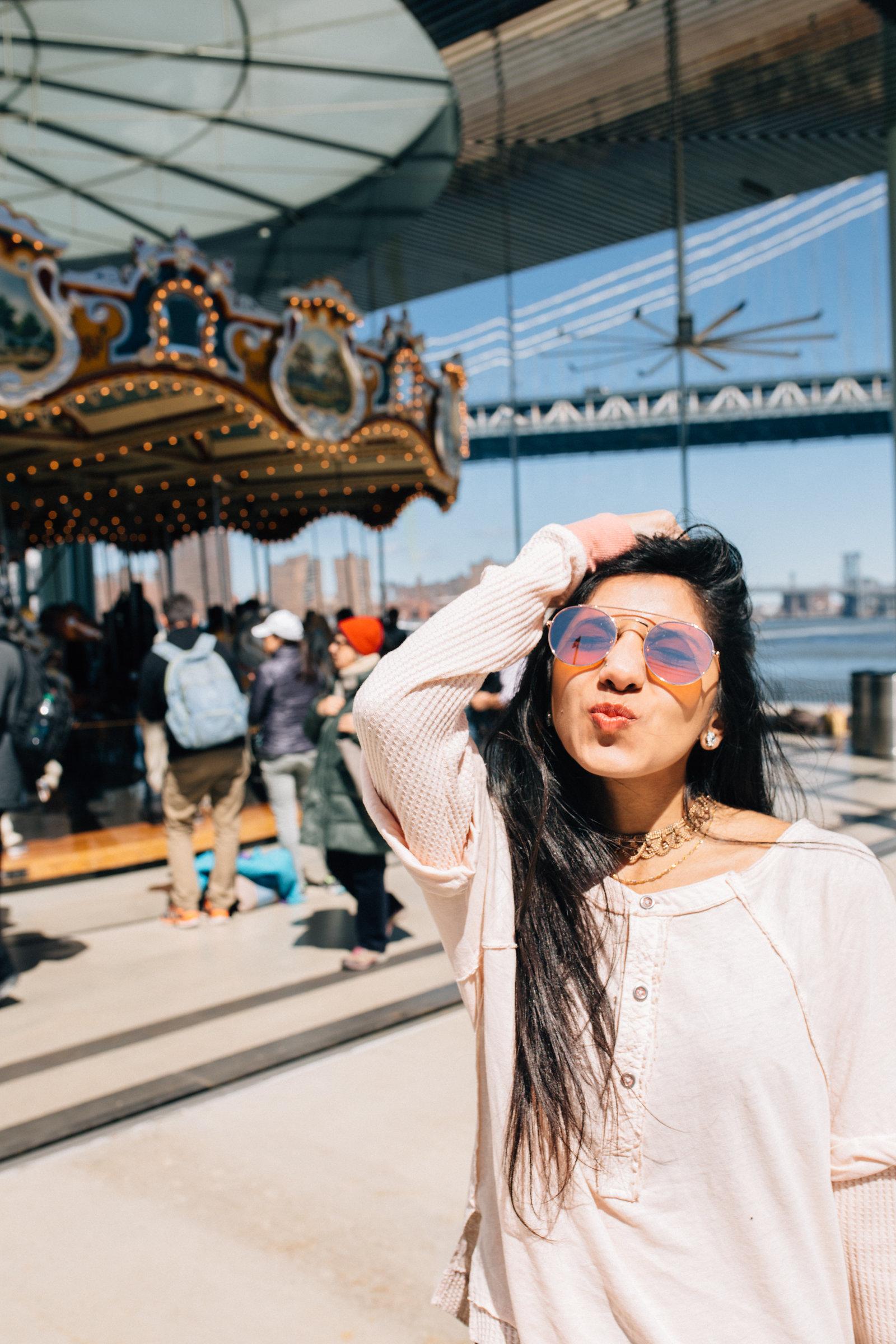 dreamy.BrooklynBridgePark.Carousel.FreePeople.fashionblogger.comfy.newyork