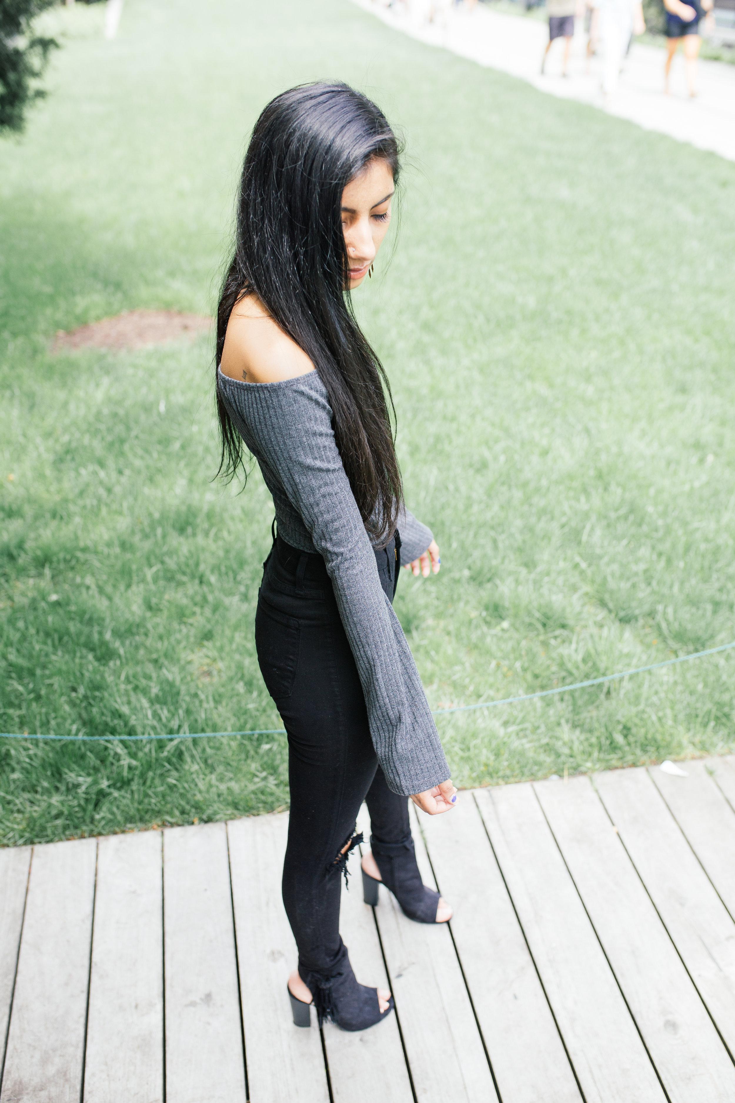 grey.tobi.offtheshoulder.bodysuit.springstyle.fashionblogger.highline.nyc.jpg