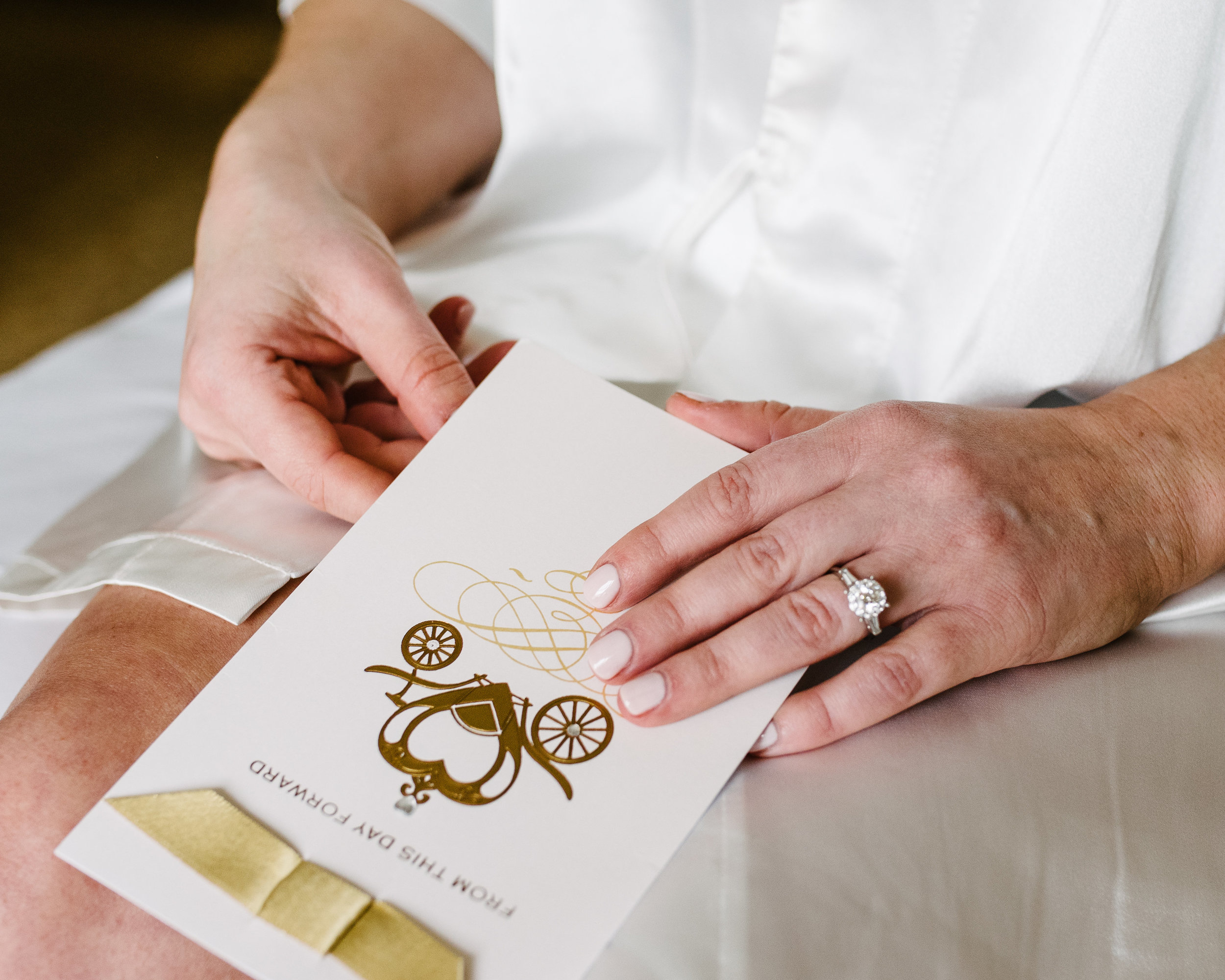 agpcollective_barlettowedding_excelsiorlancaster_gettingready-8602.jpg
