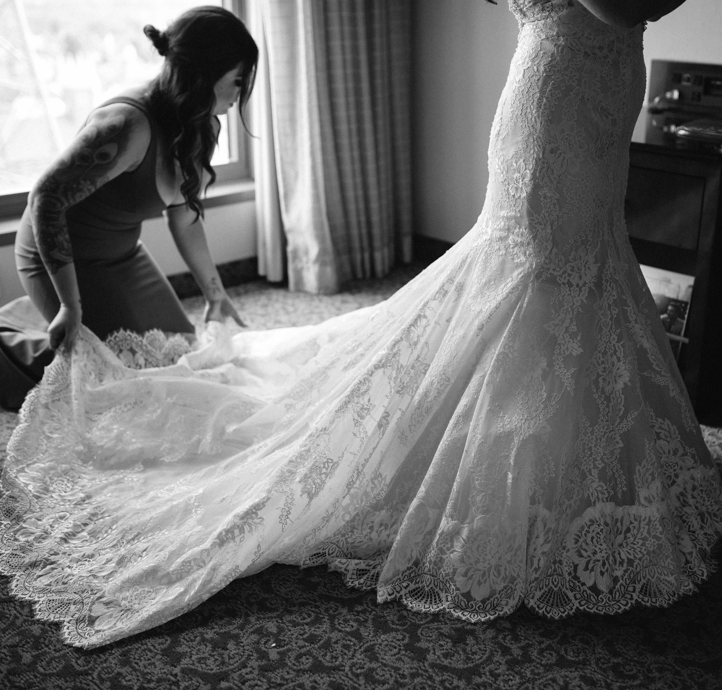 agpcollective_barlettowedding_excelsiorlancaster_gettingready-8644-2.jpg