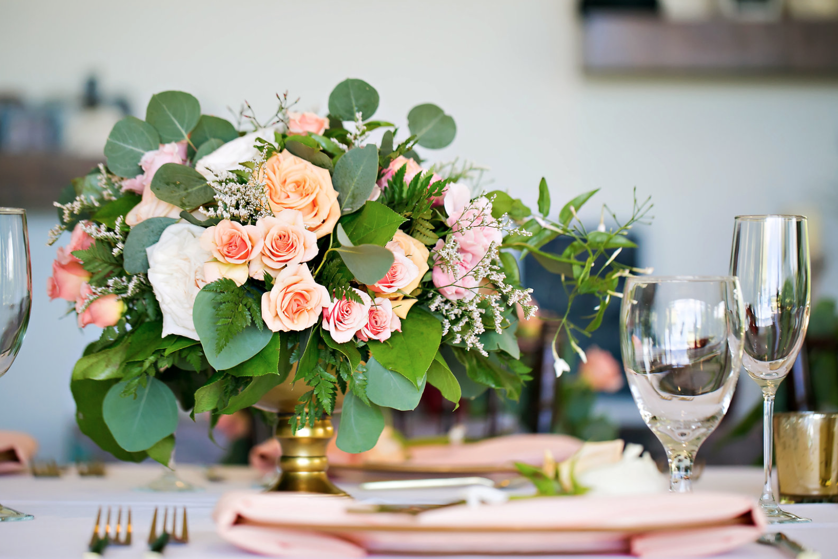 Beautiful Reception Decor Crafted From Peach and Coral Roses