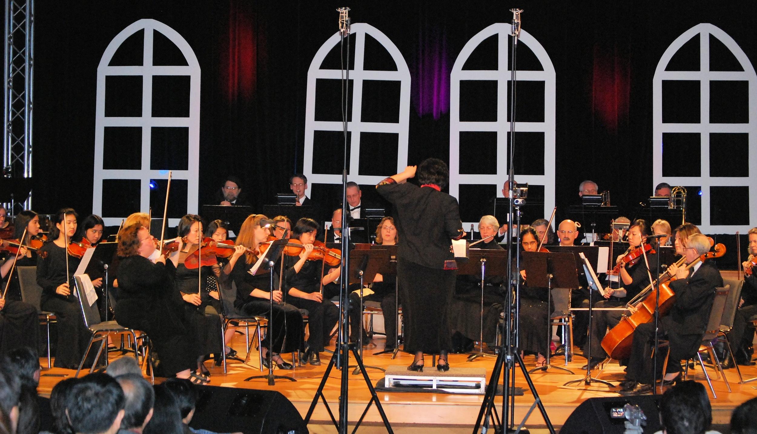 Orchestra performing Tchaikovsky Symphony No. 4
