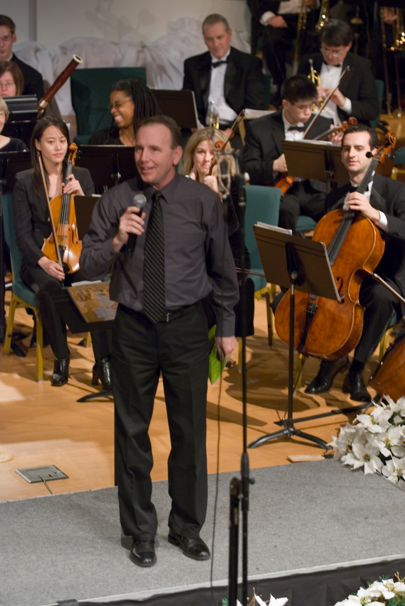 Pastor Boyd Hannoldintroducing the Orchestra