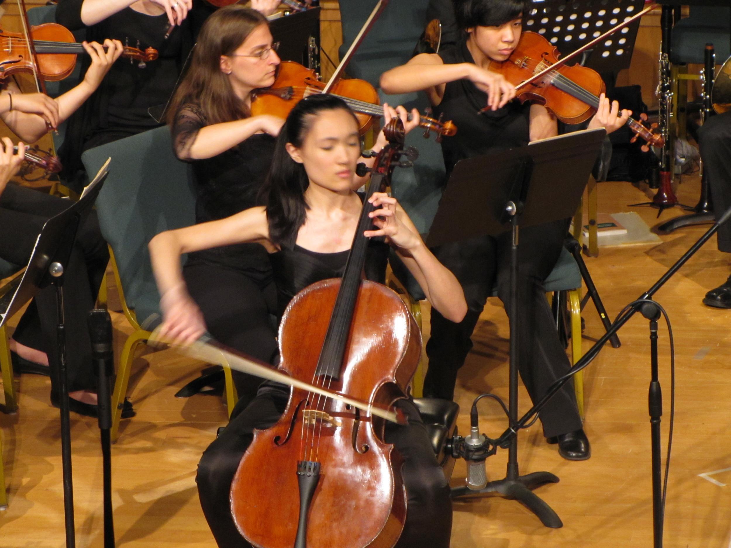 Sophia Bacelar performing Haydn Cello Concerto in D Major