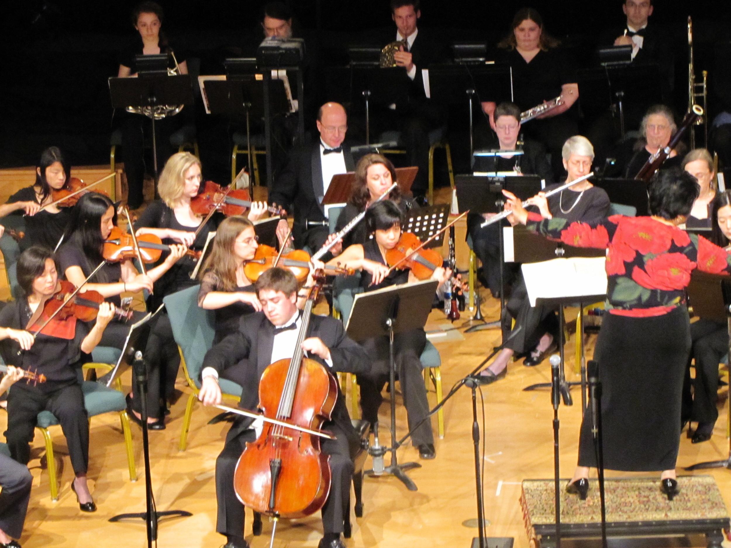 Nathan Watts performing Lalo Cello Concerto