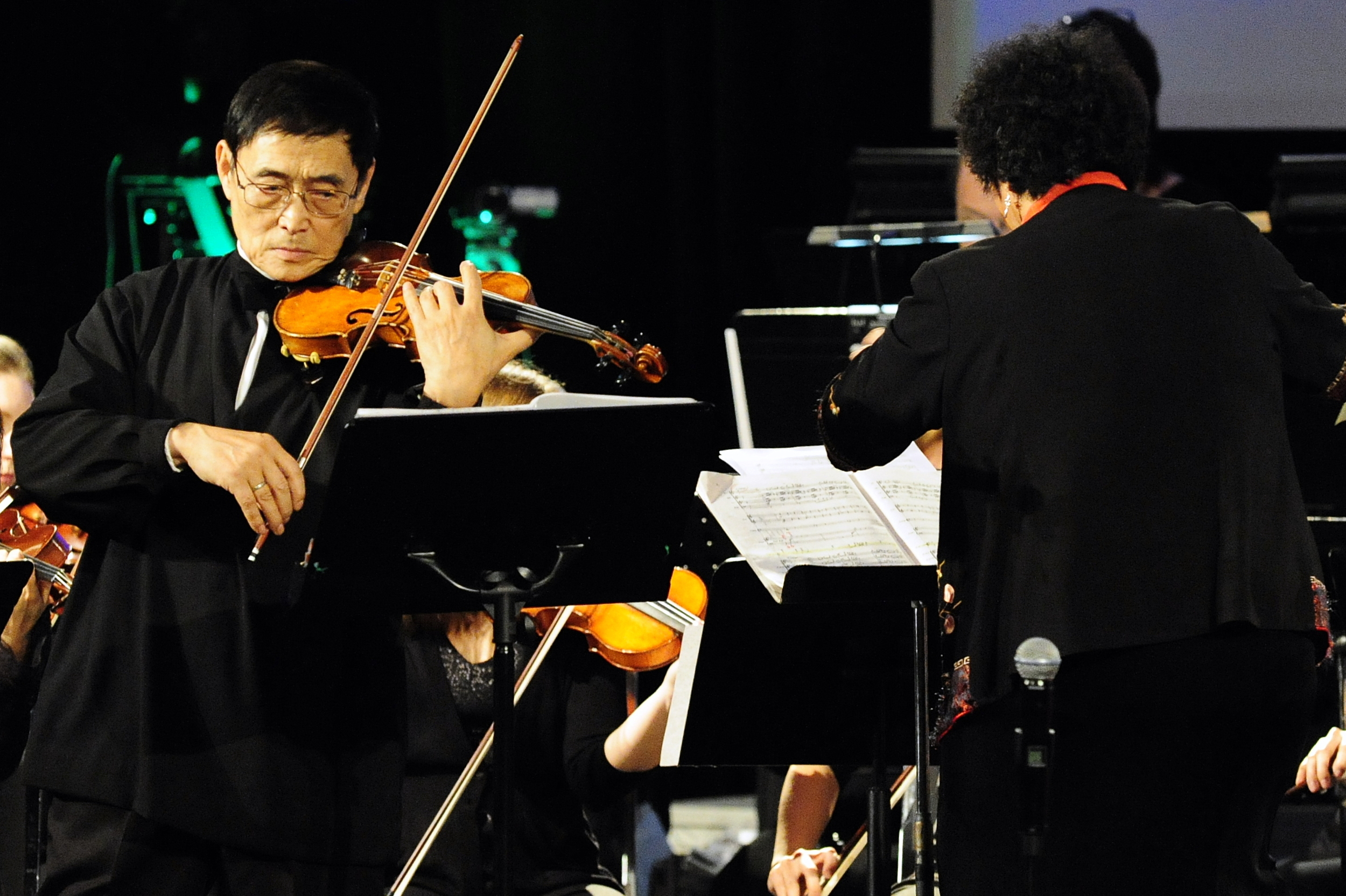 Legendary violinist and teacher, Hua-Yi Wang performing the Butterfly Lovers