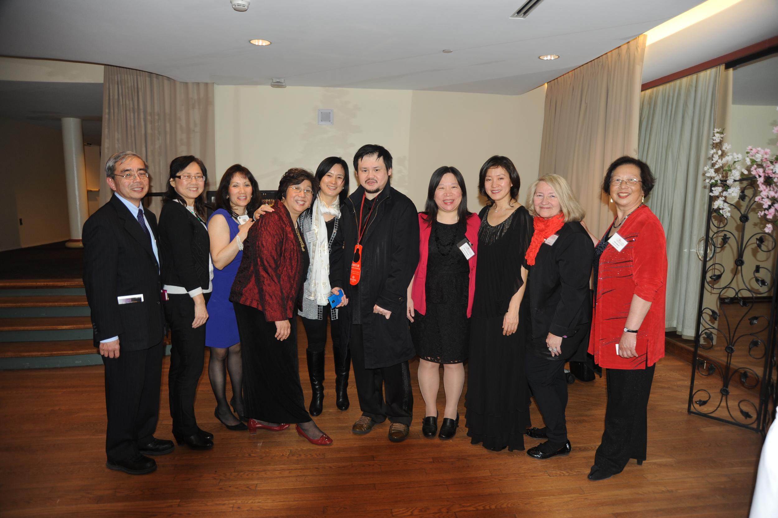 Chuanyun Li with Bravura Philharmonic board members  From left:  Dr. Robert Kaita, Molly Sung, Elizabeth von Autenried, Maestra Chiu-Tze Lin, Dr. Grace Hao, Chuanyun Li, Wen Zhang, Ingrid Tang, Dr. Donna Muzzicato, and Dr. Chiu-Ling Lin