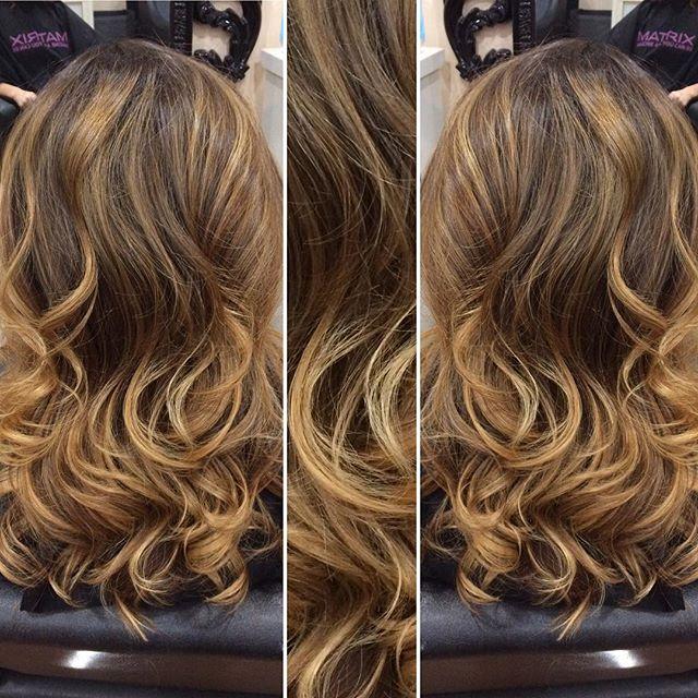 I like to call this Pumpkin Spice Latte hair ☕️💆🏽💇🏼 #phoenixhairstylist #phoenixhair #phoenixstylists #phoenixsalon #schwarzkopf #olaplex #redkenshadeseq #kevinmurphy #prettyhair #bronde #balayage #hairart