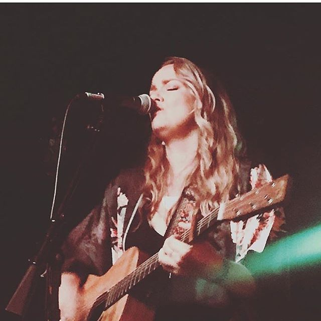 Such a great night and couldn't have been happier to play one of my favorite venues of all-time. Thank you all who made it out, to @jeffcmpbll & @jmthefourth for sandwiching me in your amazing talents and to @rivvrs & @thepaulmcdonald for sharing the night with me! Stay tuned for more good times to come. #larissawatersmusic #ReadyToRunEP #bottomofthehill #sfmusic #womenwhorock #supportindependentartists #aboutlastnight 📸@renayk00