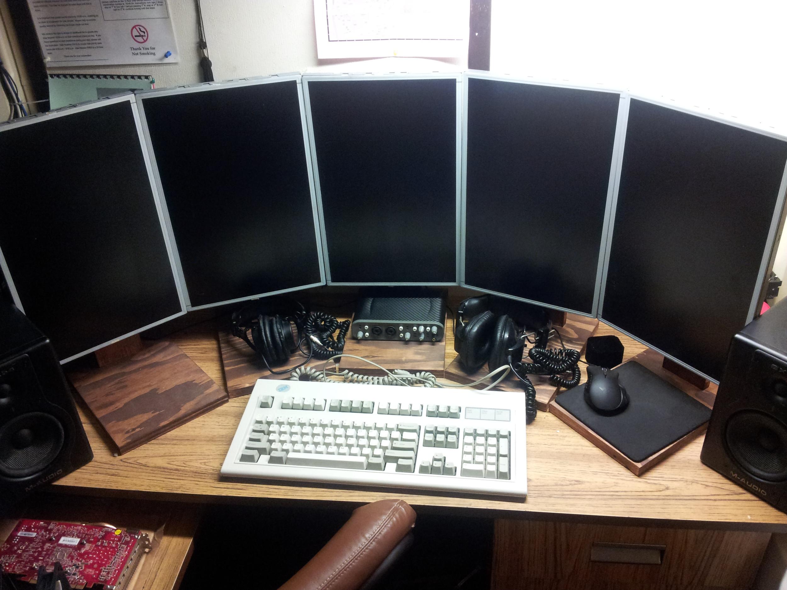 The desk.