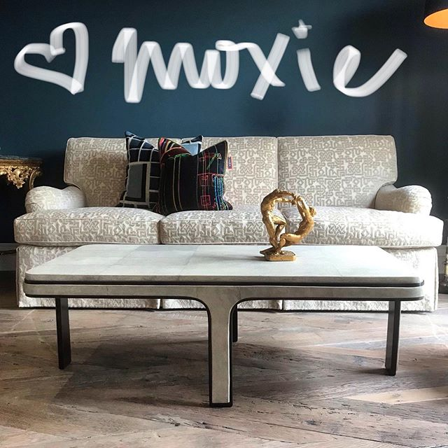 HAPPY FRIYAY! C2 Paint Titan C2-725, #RY&Agousti shagreen cocktail table, Clearance House cut velvet custom sofa, pillows; collaboration @vandertol_studios @dbdgupholstery 💙Moxie #modernluxury #luxe #1stdibs #interiordesign  #luxury  #dennisbrackeendesigngroup#interiordesigner #interiordecor #design #decoration #instalove #instalike #love #picoftheday #photooftheday #style #luxury #designporn #decor #architecture #livewithmoxie #instastyle #elledecor