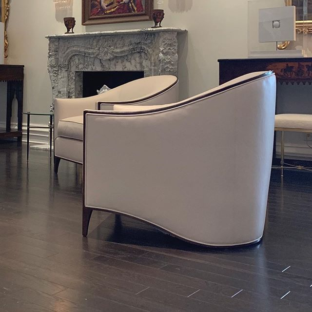 New inventory in the shop includes this killer pair of white leather Deco style lounge chairs. #modernluxury #luxe #1stdibs #interiordesign  #luxury  #dennisbrackeendesigngroup#interiordesigner #interiordecor #design #decoration #instalove #instalike #love #picoftheday #photooftheday #style #luxury #designporn #decor #architecture #livewithmoxie #instastyle #elledecor