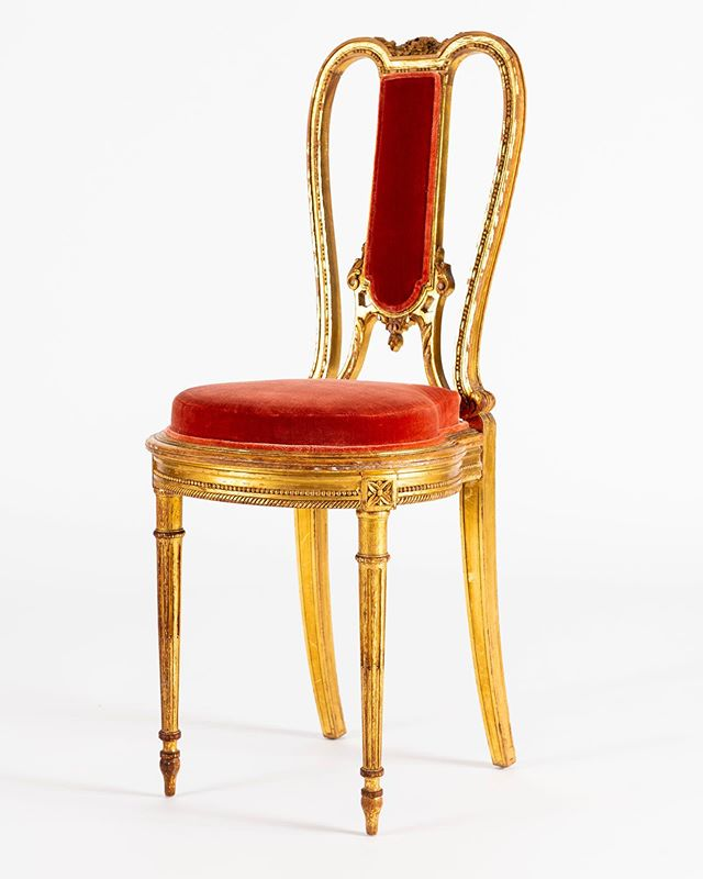 ❤️❤️❤️ Available @moxiehouston #upholstery #customupholstery #bespoke #furniture #customfurniture #interior #antiques #homedecor #houston #interiordesign #picoftheday #photooftheday #instalove