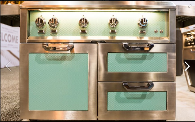 Hestan grill at show.jpg