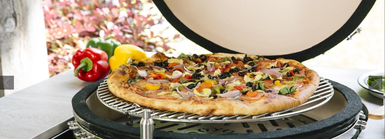 Asado Grill Smoker pizza.jpg