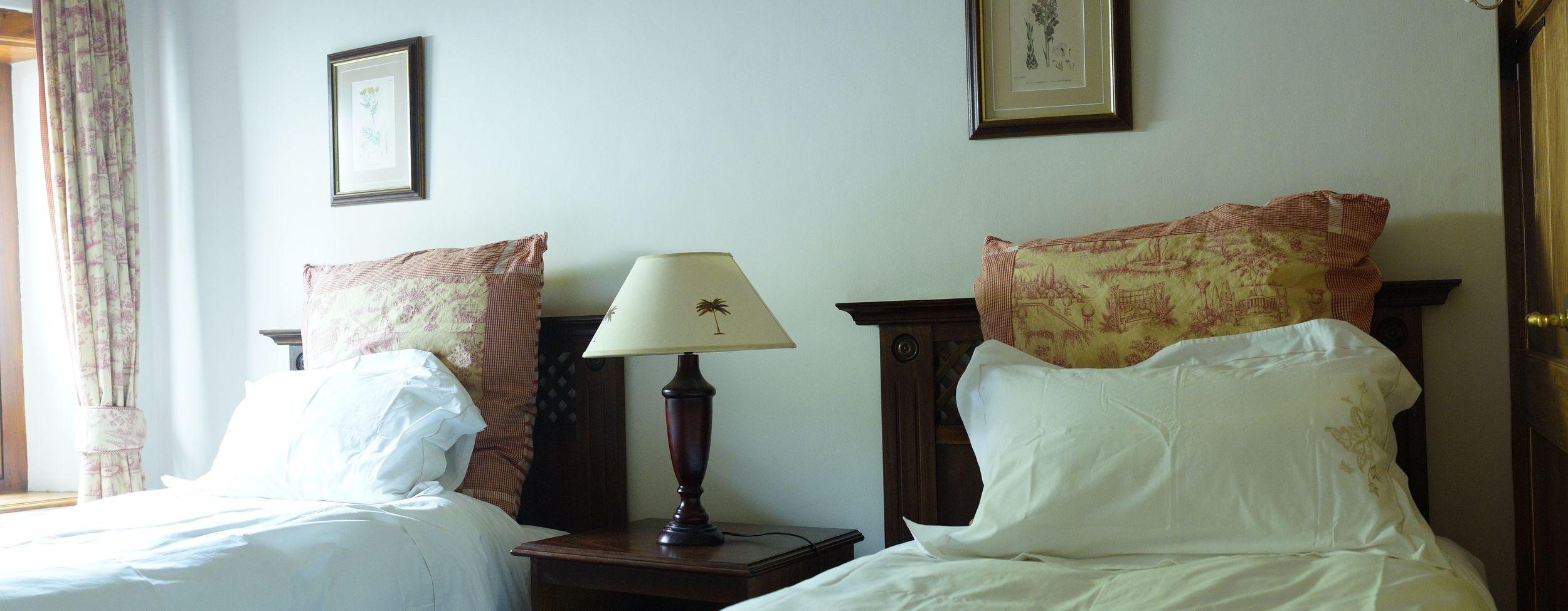 FT bedroom single 1.jpg